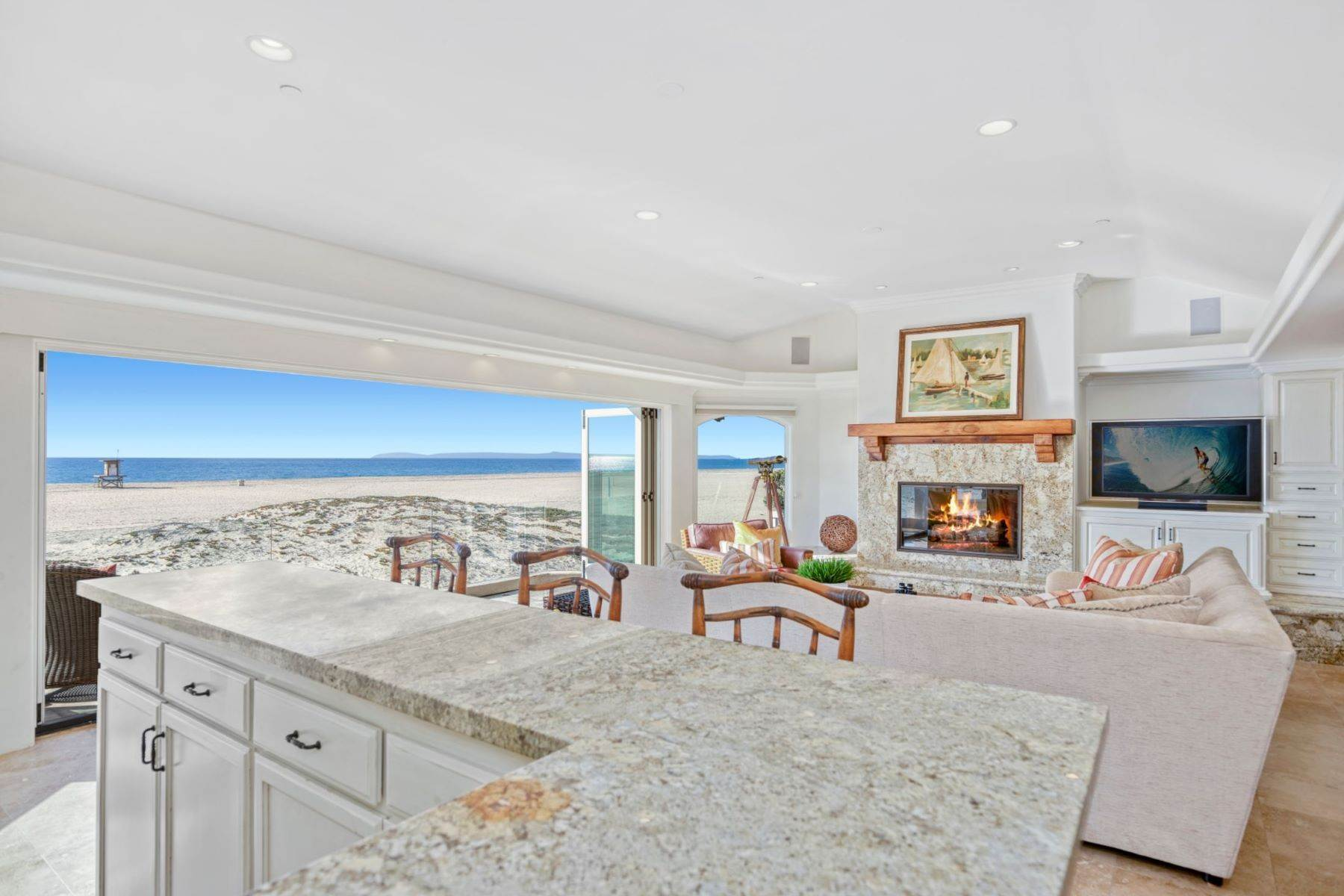 10. Single Family Homes for Sale at 930 Weat Oceanfront 930 W OCEANFRONT Newport Beach, California 92661 United States
