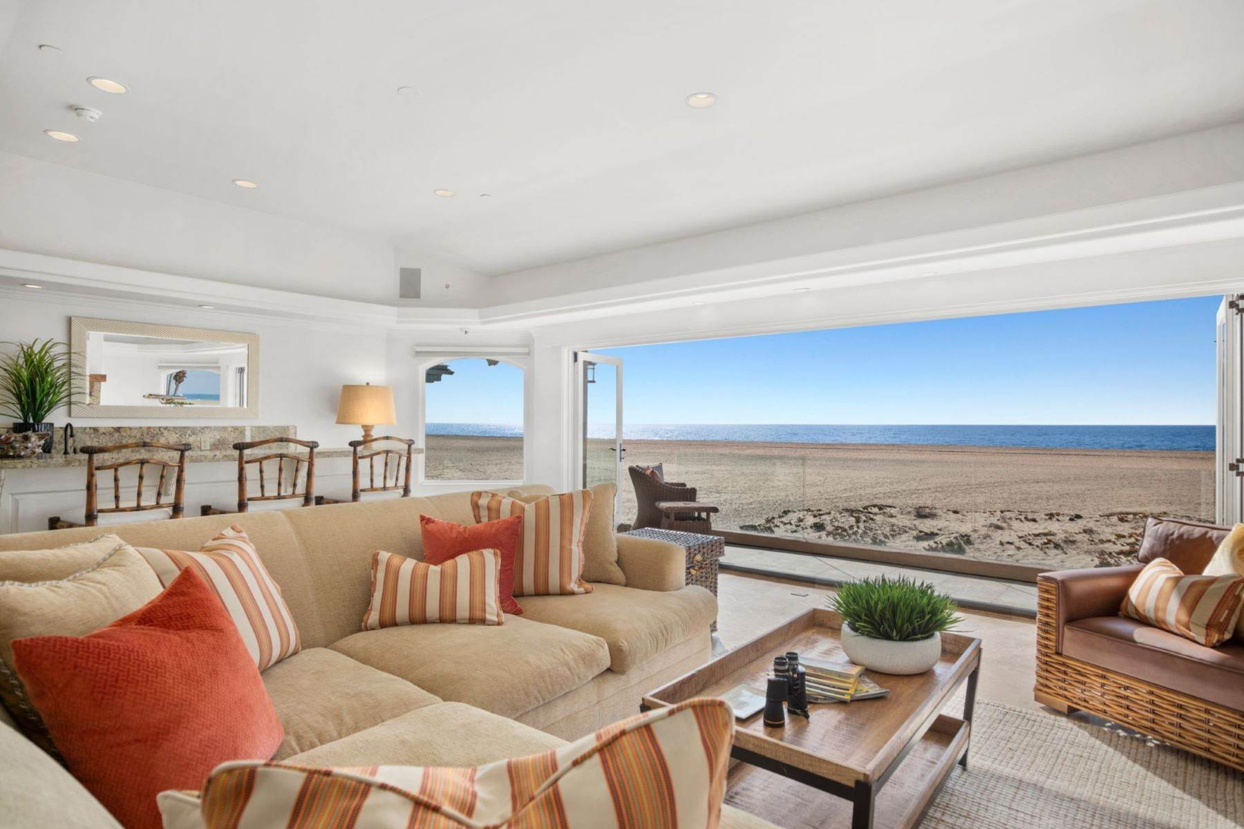 11. Single Family Homes for Sale at 930 Weat Oceanfront 930 W OCEANFRONT Newport Beach, California 92661 United States