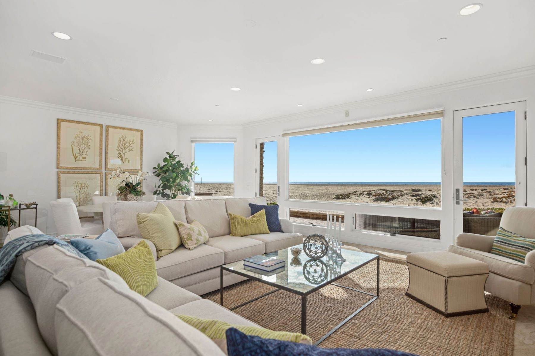 5. Single Family Homes for Sale at 930 Weat Oceanfront 930 W OCEANFRONT Newport Beach, California 92661 United States