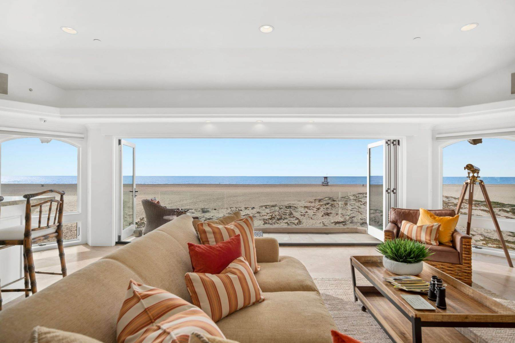 9. Single Family Homes for Sale at 930 Weat Oceanfront 930 W OCEANFRONT Newport Beach, California 92661 United States