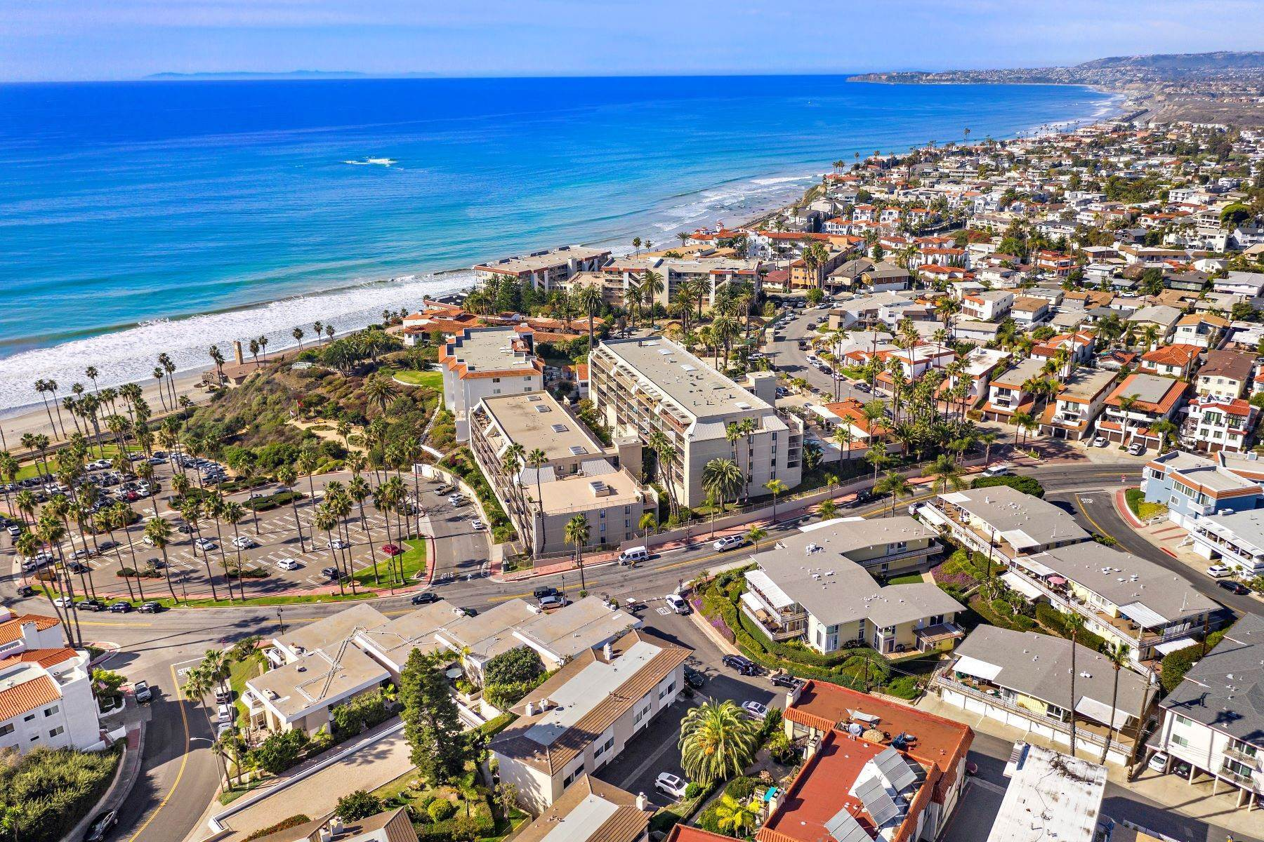 39. Condominiums for Sale at 321 Acebo Lane Unit #C, San Clemente, CA 92672 321 Acebo Lane, Unit #C San Clemente, California 92672 United States