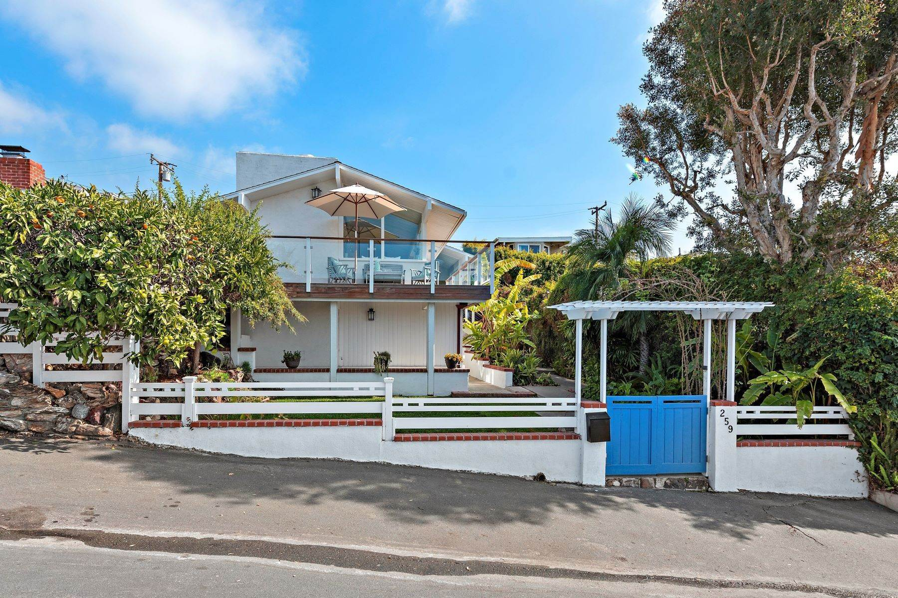 Single Family Homes for Sale at 259 Beverly Street Laguna Beach, California 92651 United States