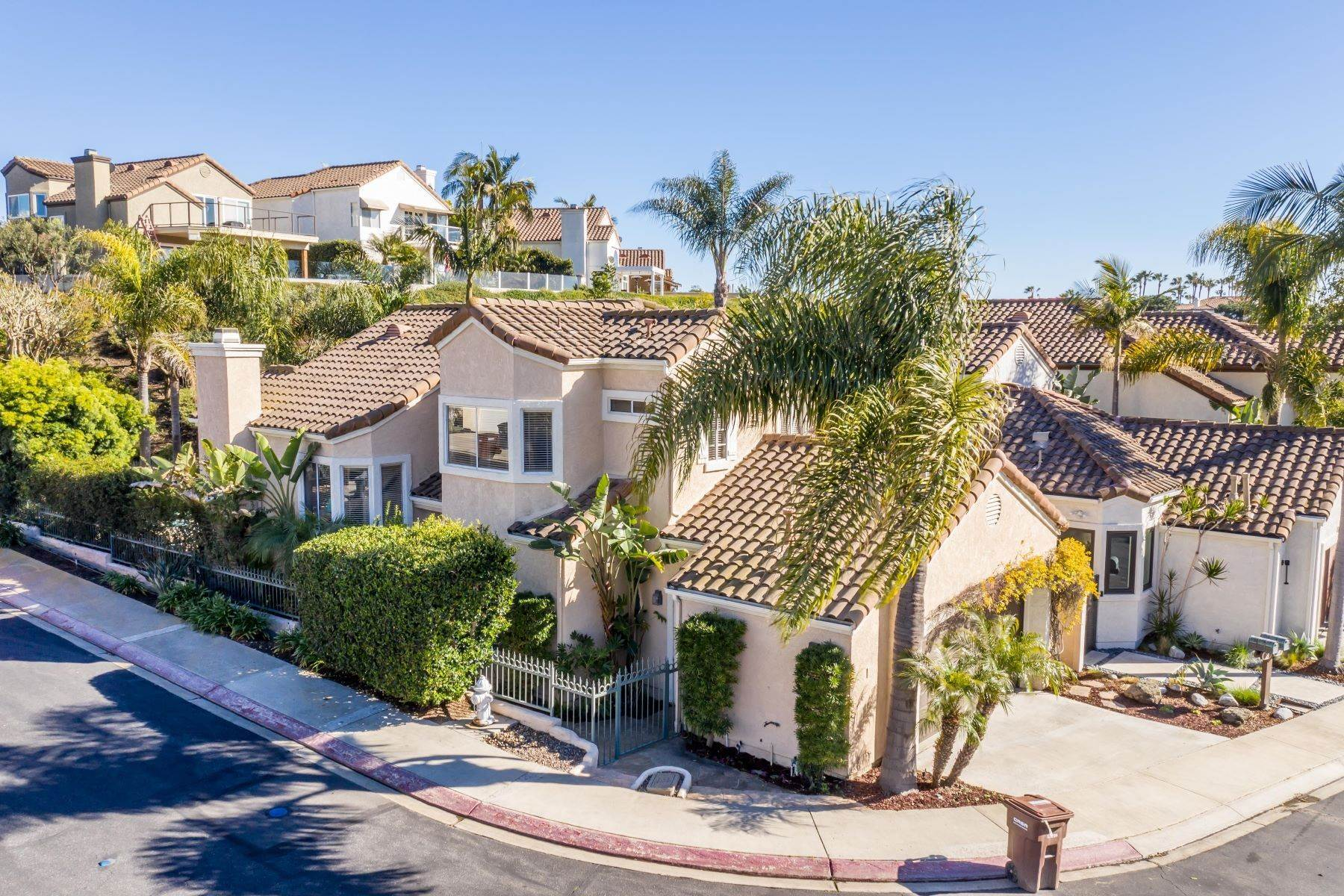 Single Family Homes for Sale at 20 Reina, Dana Point, CA 92629 20 Reina Dana Point, California 92629 United States
