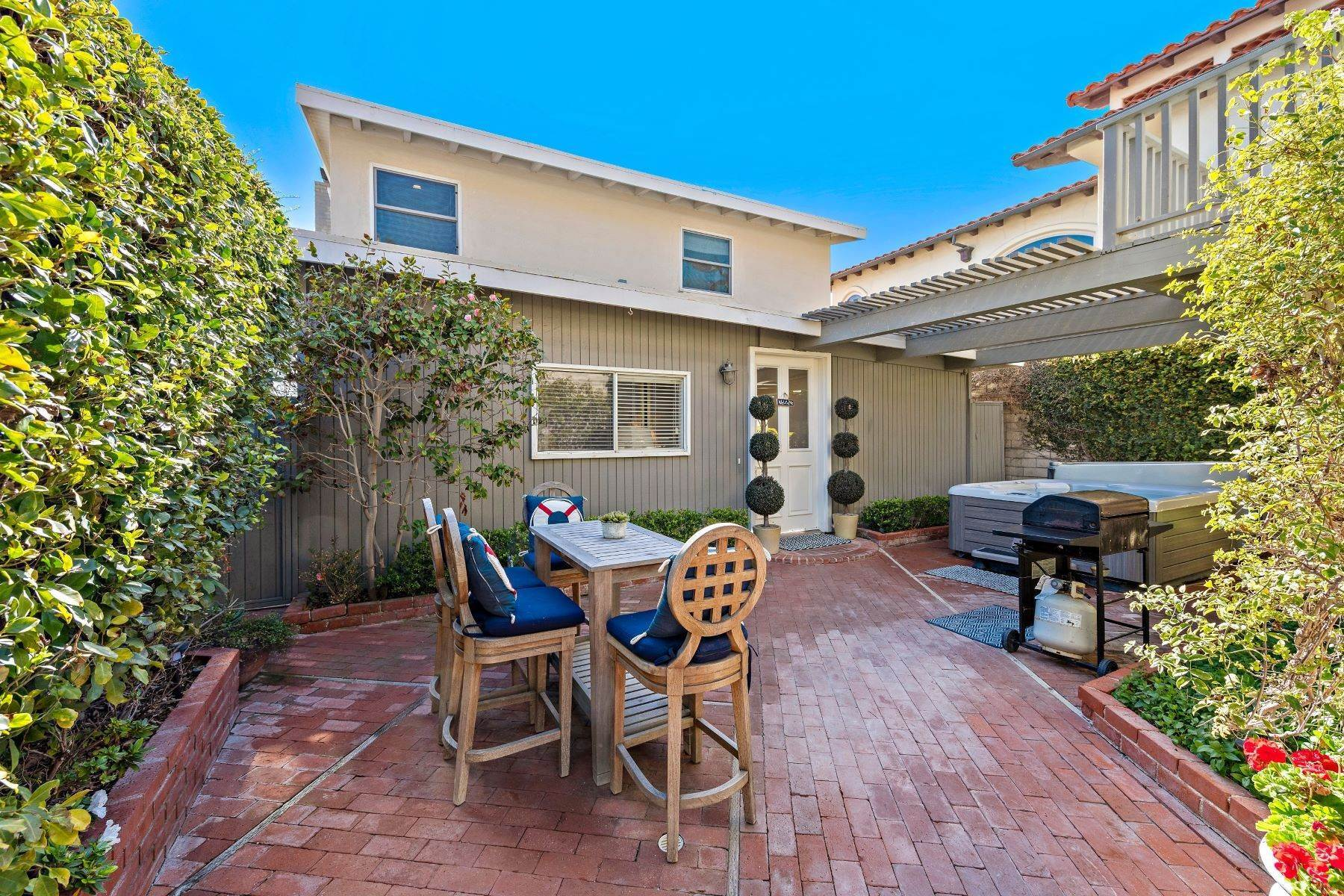 14. Single Family Homes for Sale at 35215 Beach Road, Dana Point, CA 92624 35215 Beach Road Dana Point, California 92624 United States