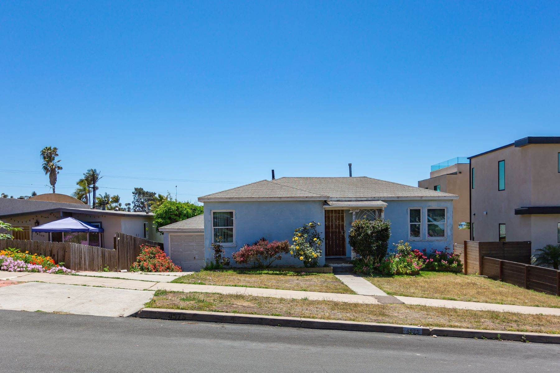 5. Single Family Homes for Sale at 4575-77 Pescadero Avenue, San Diego, CA 92107 4577 Pescadero Avenue San Diego, California 92107 United States