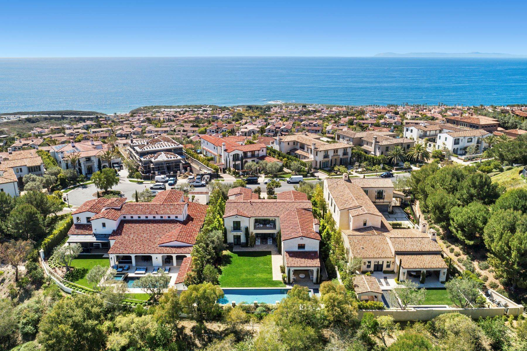 50. Single Family Homes for Sale at 40 Offshore Newport Beach, California 92657 United States