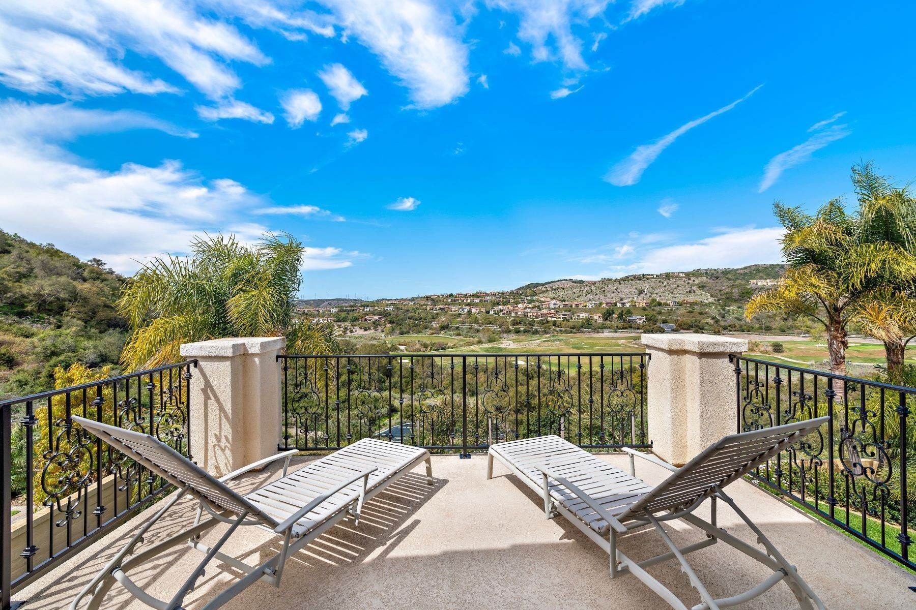37. Single Family Homes for Sale at 53 Via Cartama, San Clemente, CA 92673 53 Via Cartama San Clemente, California 92673 United States