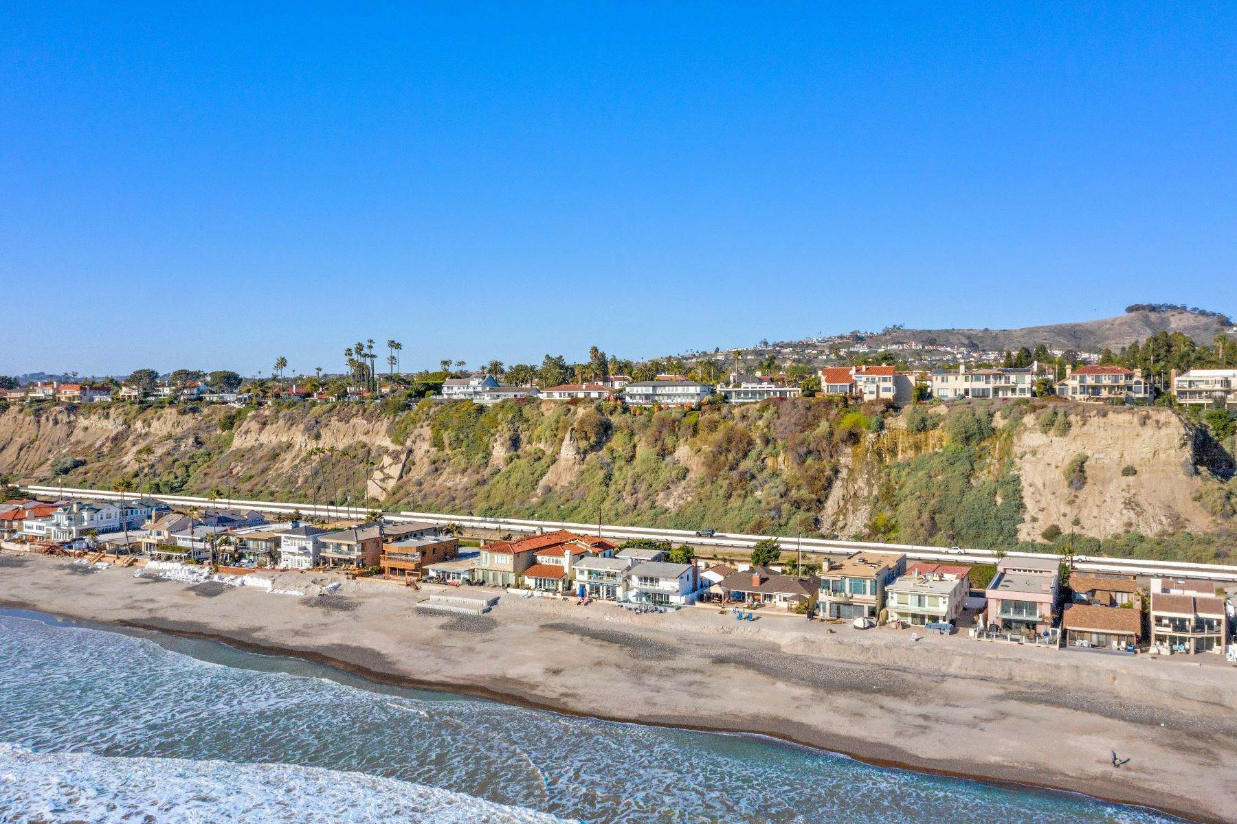 49. Single Family Homes for Sale at 35215 Beach Road, Dana Point, CA 92624 35215 Beach Road Dana Point, California 92624 United States