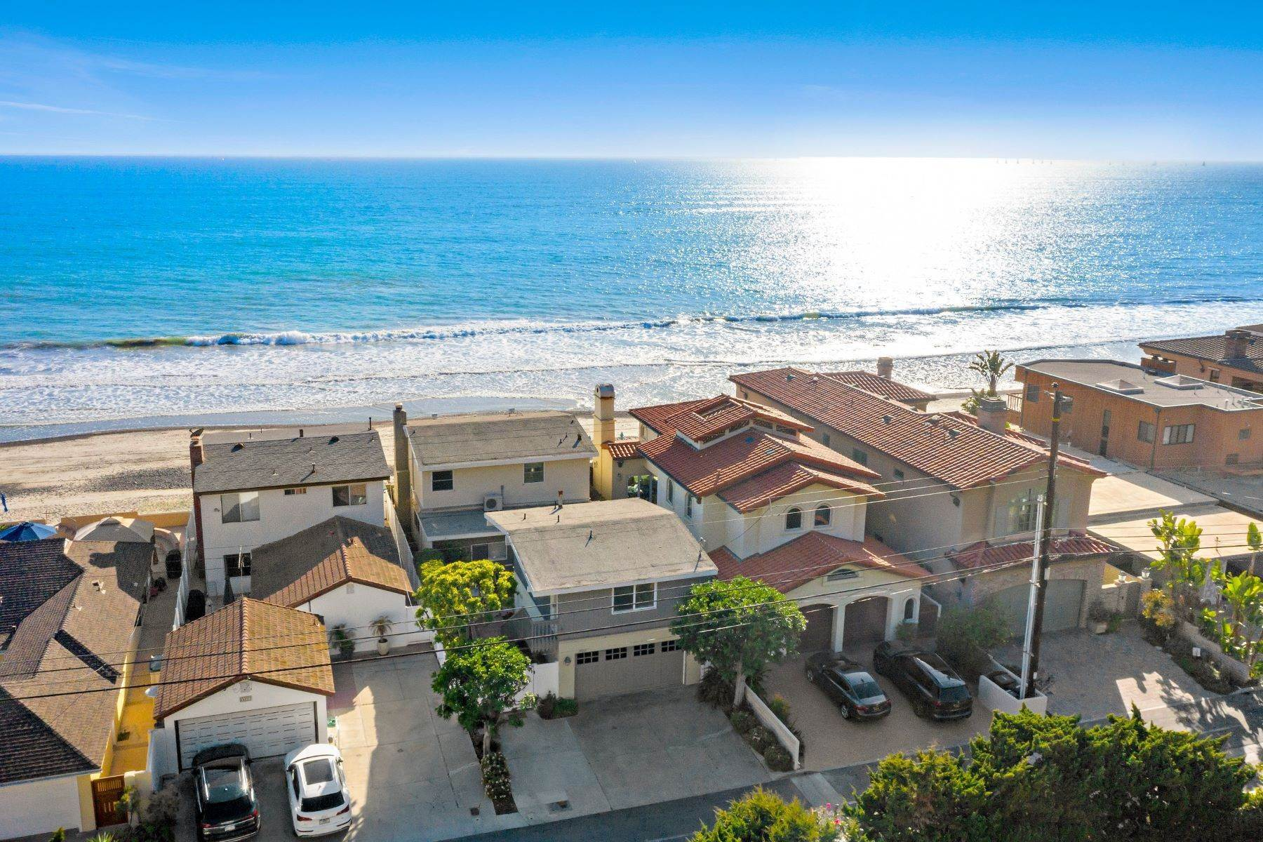 46. Single Family Homes for Sale at 35215 Beach Road, Dana Point, CA 92624 35215 Beach Road Dana Point, California 92624 United States