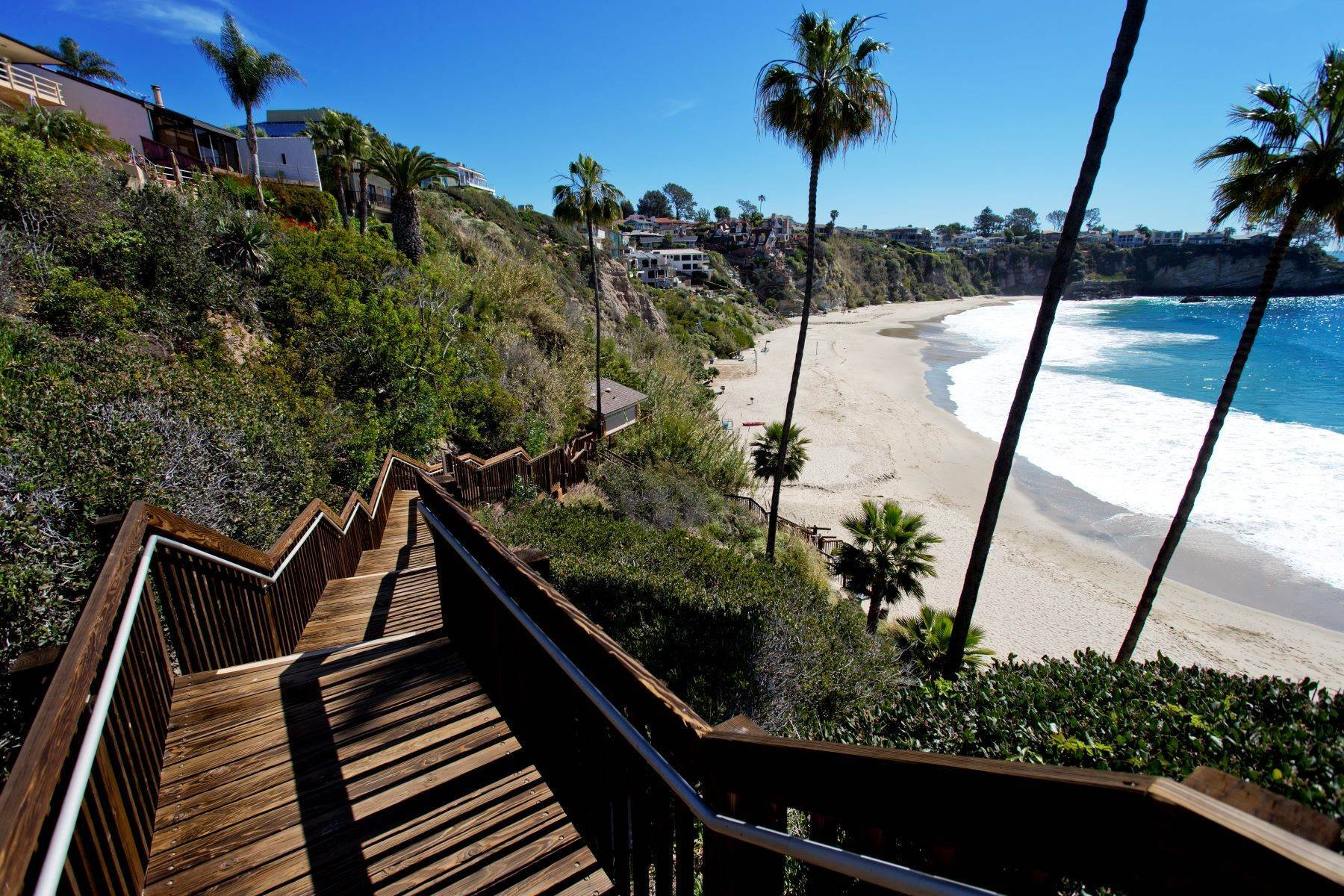 37. Single Family Homes for Sale at 24 South Portola, Laguna Beach, CA 92651 24 South Portola Laguna Beach, California 92651 United States