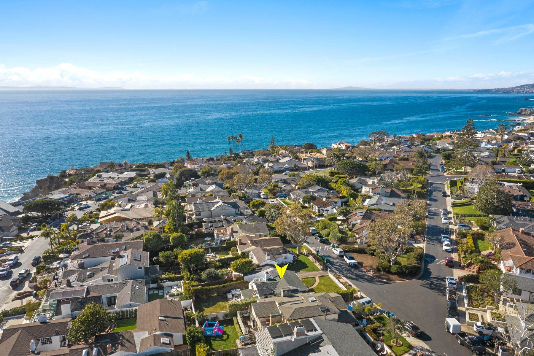 34. Single Family Homes for Sale at 24 South Portola, Laguna Beach, CA 92651 24 South Portola Laguna Beach, California 92651 United States