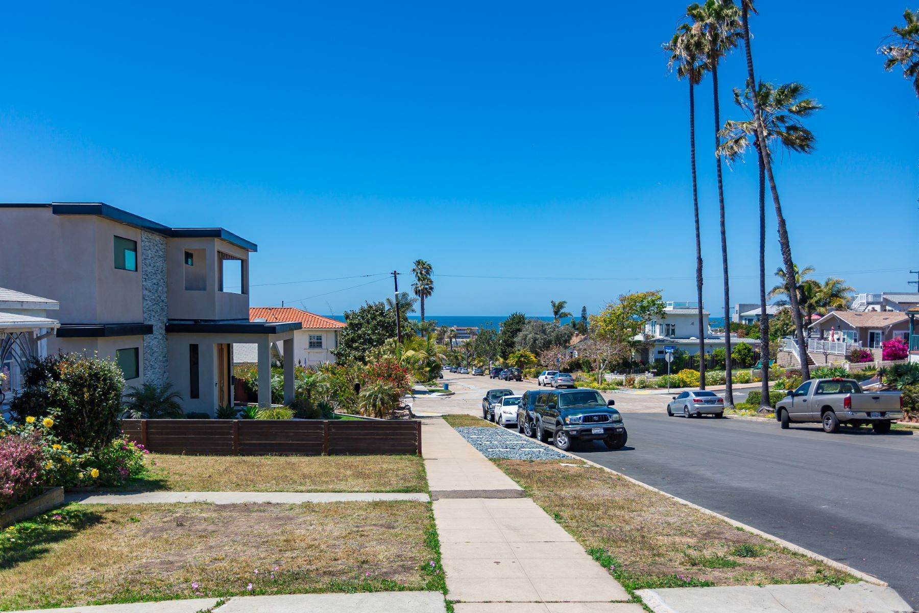 13. Single Family Homes for Sale at 4575-77 Pescadero Avenue, San Diego, CA 92107 4577 Pescadero Avenue San Diego, California 92107 United States