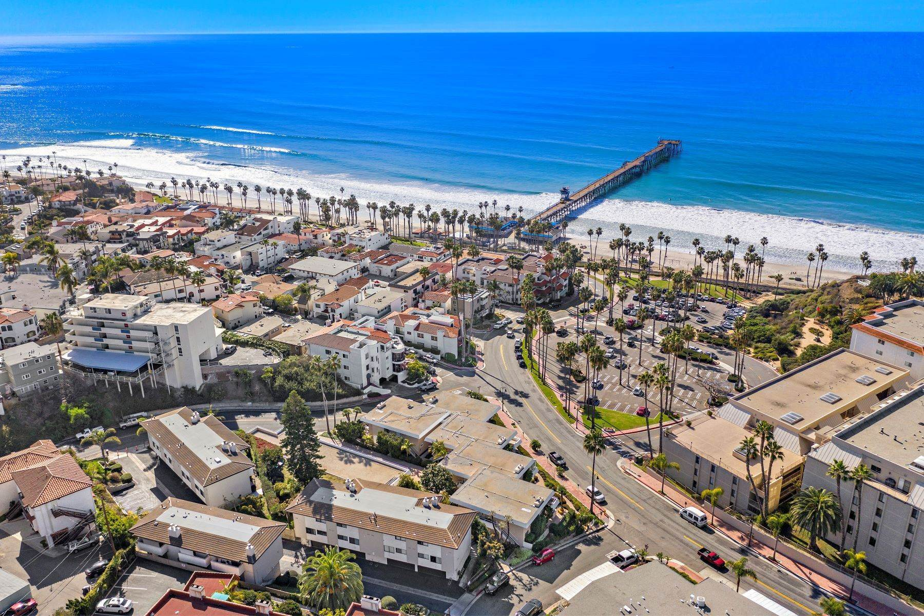 36. Condominiums for Sale at 321 Acebo Lane Unit #C, San Clemente, CA 92672 321 Acebo Lane, Unit #C San Clemente, California 92672 United States