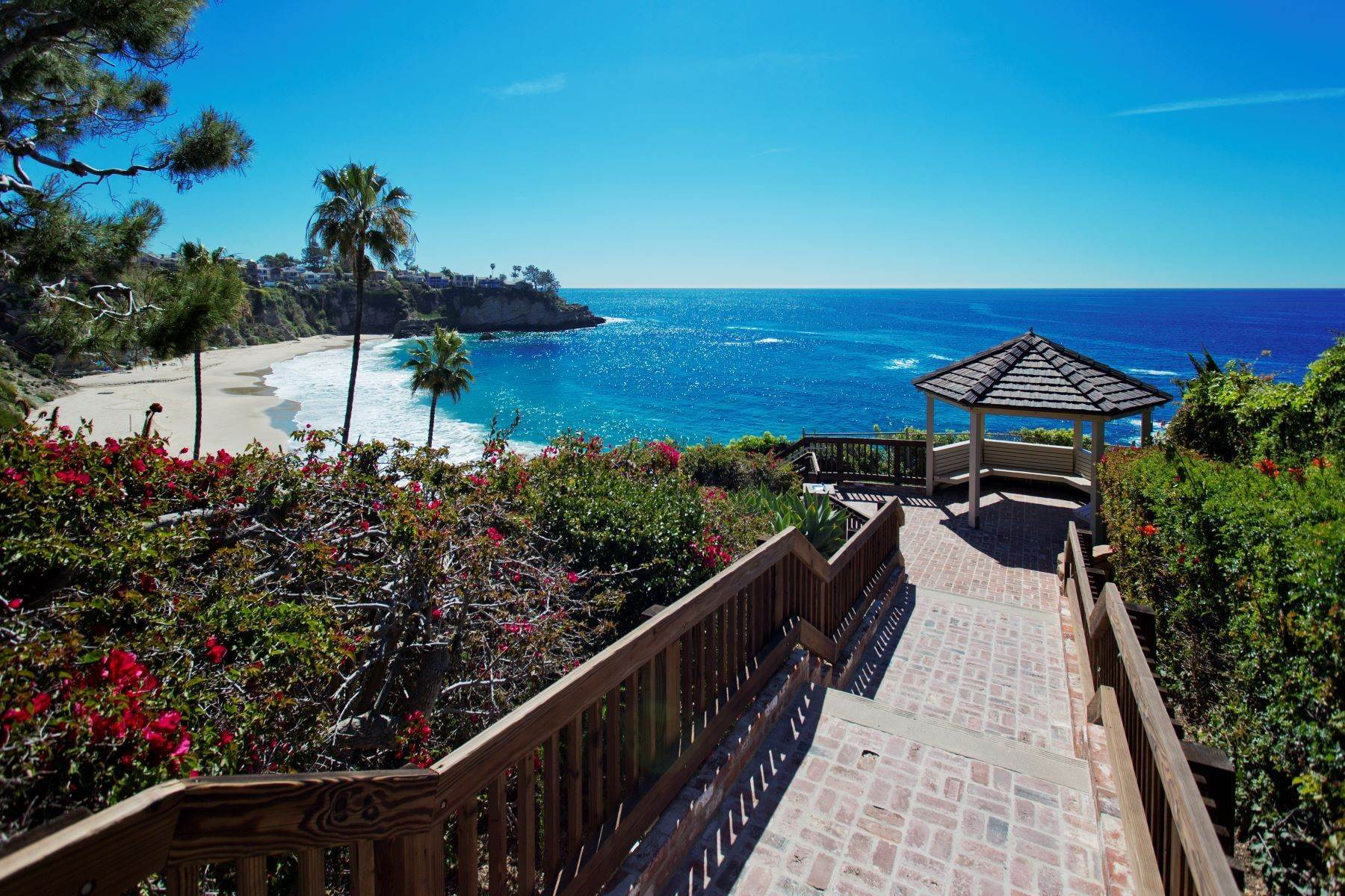 35. Single Family Homes for Sale at 24 South Portola, Laguna Beach, CA 92651 24 South Portola Laguna Beach, California 92651 United States