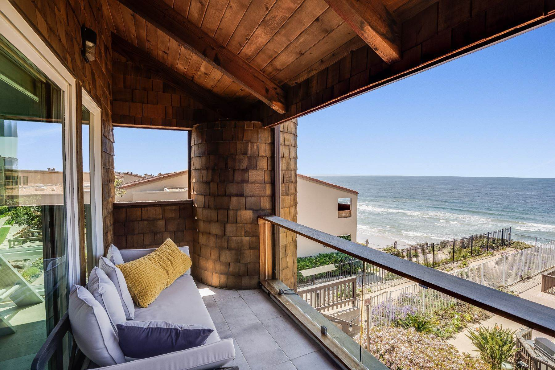 Condominiums for Sale at 325 South Sierra Avenue 45, Solana Beach, CA 92075 325 South Sierra Avenue 45 Solana Beach, California 92075 United States