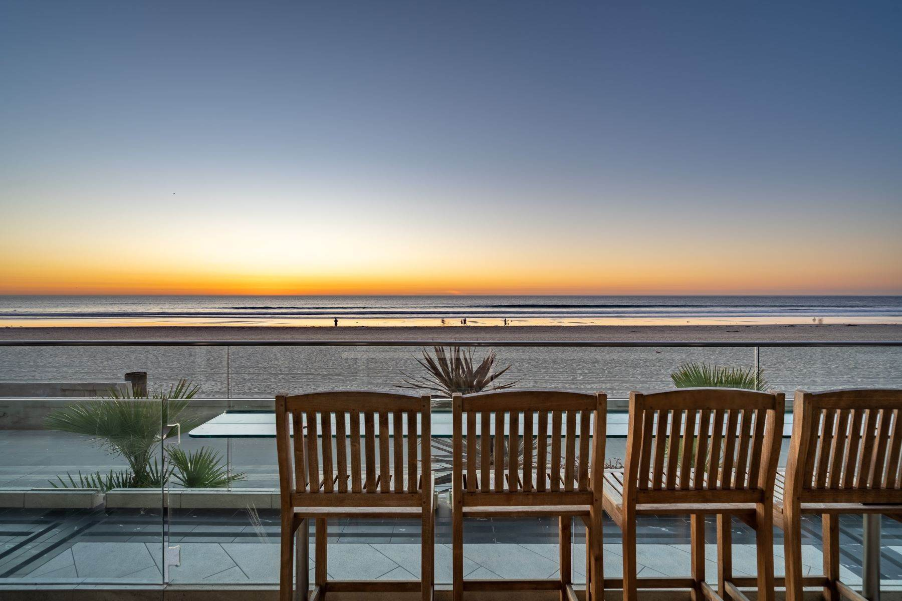 Condominiums for Sale at 3607 Ocean Front Walk, San Diego, CA 92109 3607 Ocean Front Walk San Diego, California 92109 United States
