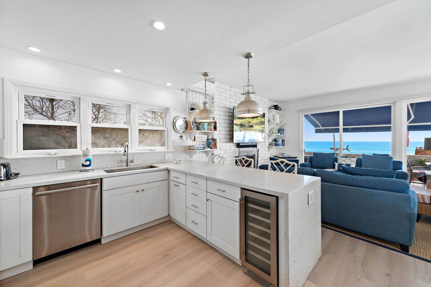 10. Single Family Homes for Sale at 35215 Beach Road, Dana Point, CA 92624 35215 Beach Road Dana Point, California 92624 United States