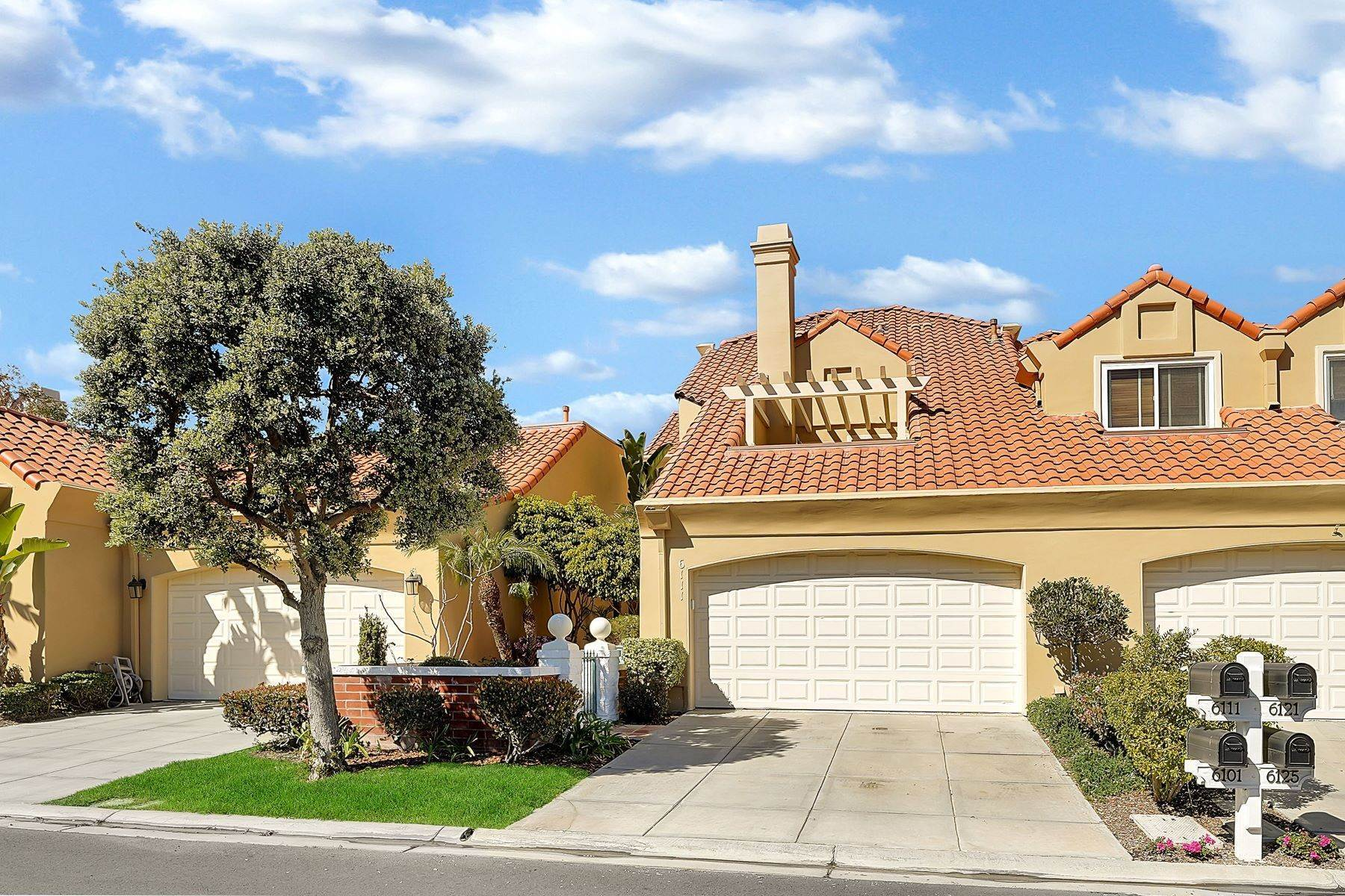 Single Family Homes for Sale at 6111 Greenbrier Drive Huntington Beach, California 92648 United States
