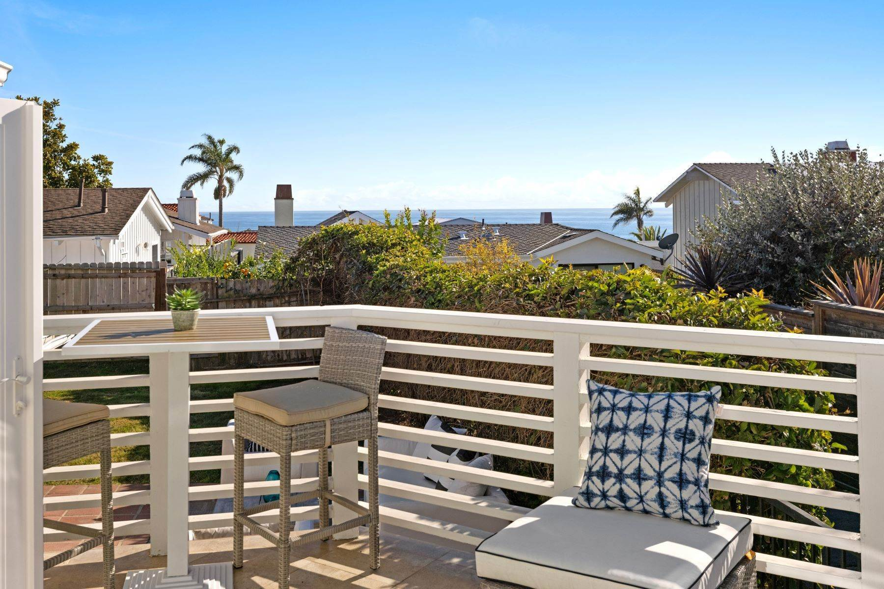 14. Single Family Homes for Sale at 24 South Portola, Laguna Beach, CA 92651 24 South Portola Laguna Beach, California 92651 United States