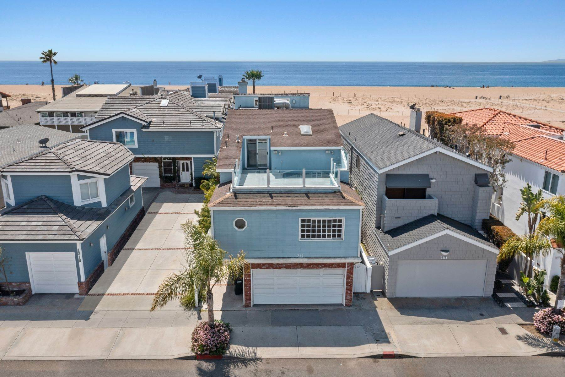 Single Family Homes for Sale at 1317 East Balboa Boulevard, Newport Beach, CA 92661 1317 East Balboa Boulevard Newport Beach, California 92661 United States