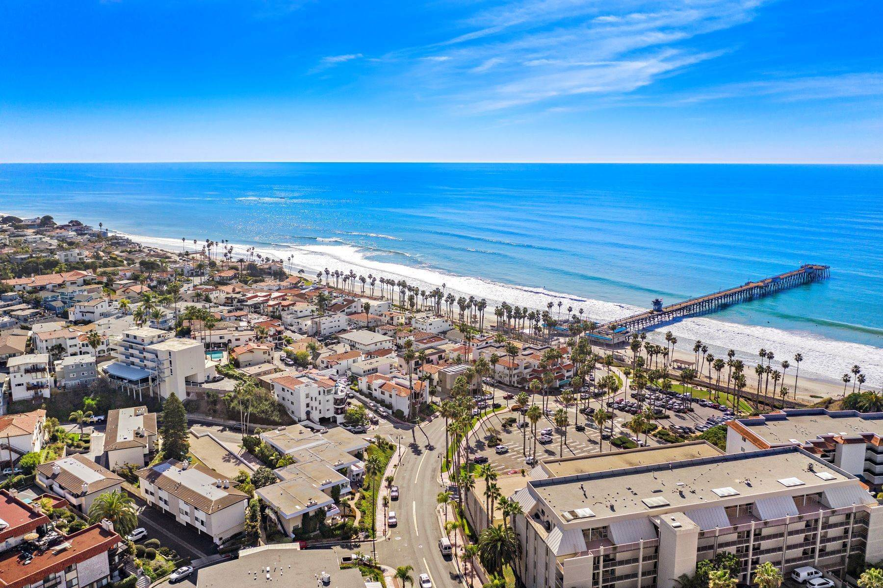 35. Condominiums for Sale at 321 Acebo Lane Unit #C, San Clemente, CA 92672 321 Acebo Lane, Unit #C San Clemente, California 92672 United States
