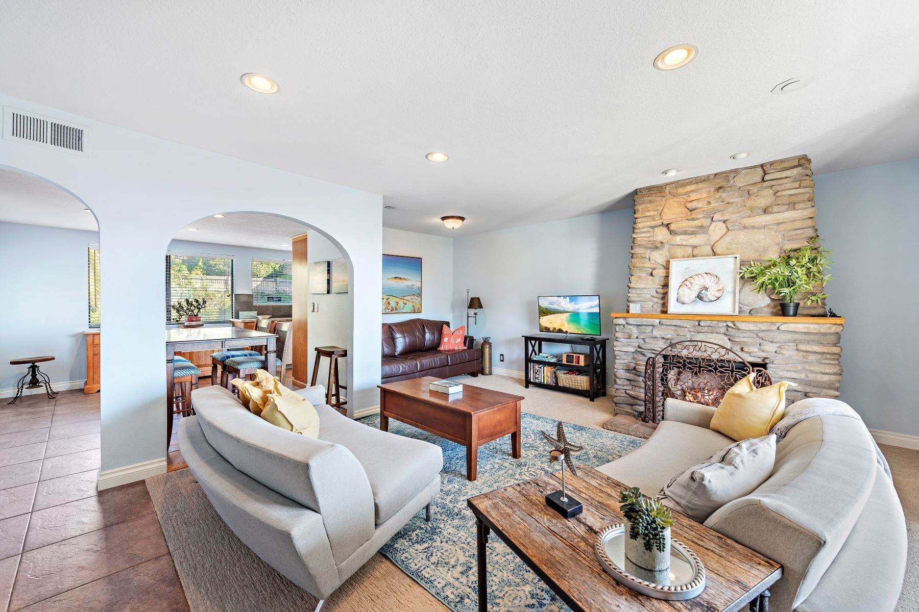 10. Condominiums for Sale at 321 Acebo Lane Unit #C, San Clemente, CA 92672 321 Acebo Lane, Unit #C San Clemente, California 92672 United States