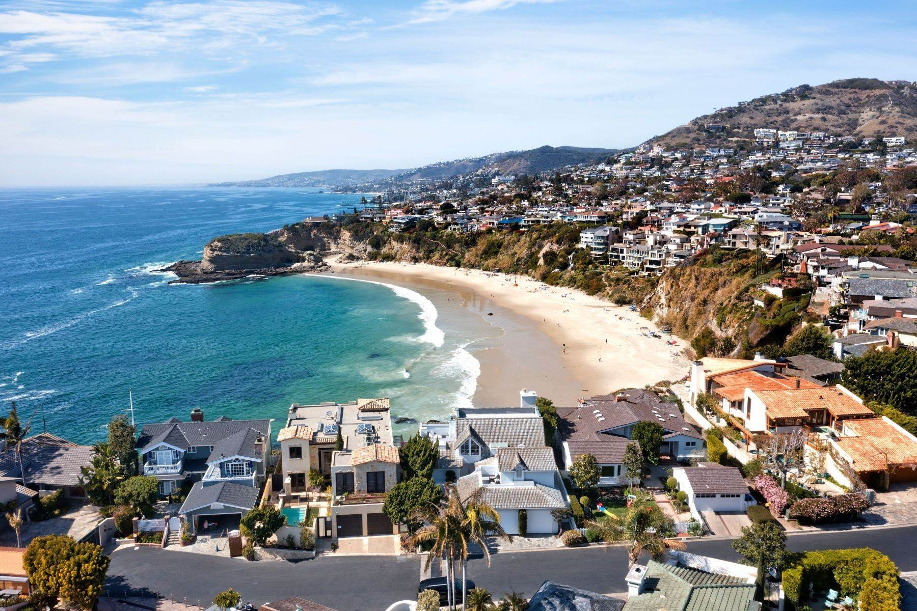 3. Single Family Homes for Sale at 112 South La Senda Drive, Laguna Beach, CA 92651 112 South La Senda Drive Laguna Beach, California 92651 United States