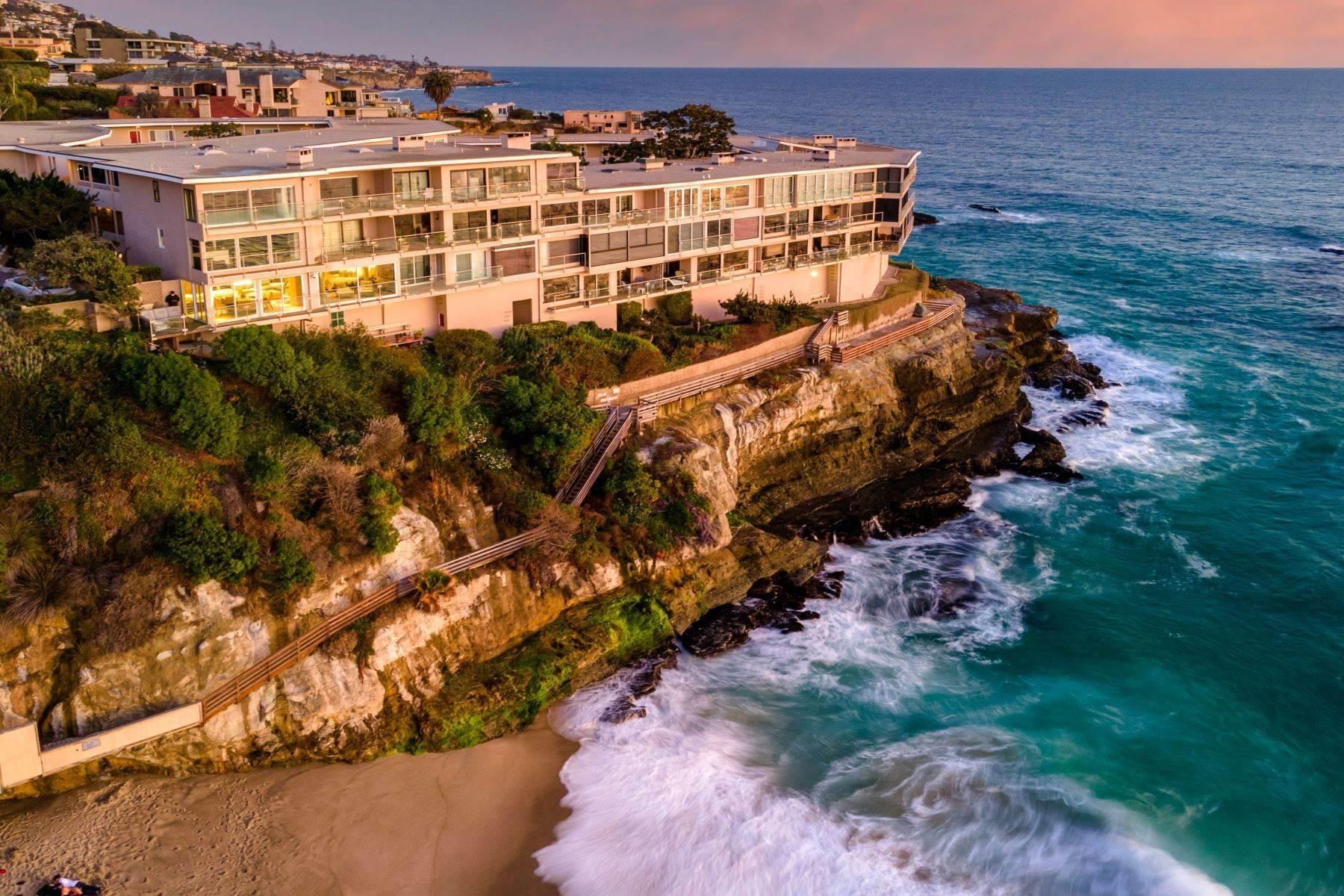 Condominiums for Sale at 31561 Table Rock Drive #212 Laguna Beach, California 92651 United States