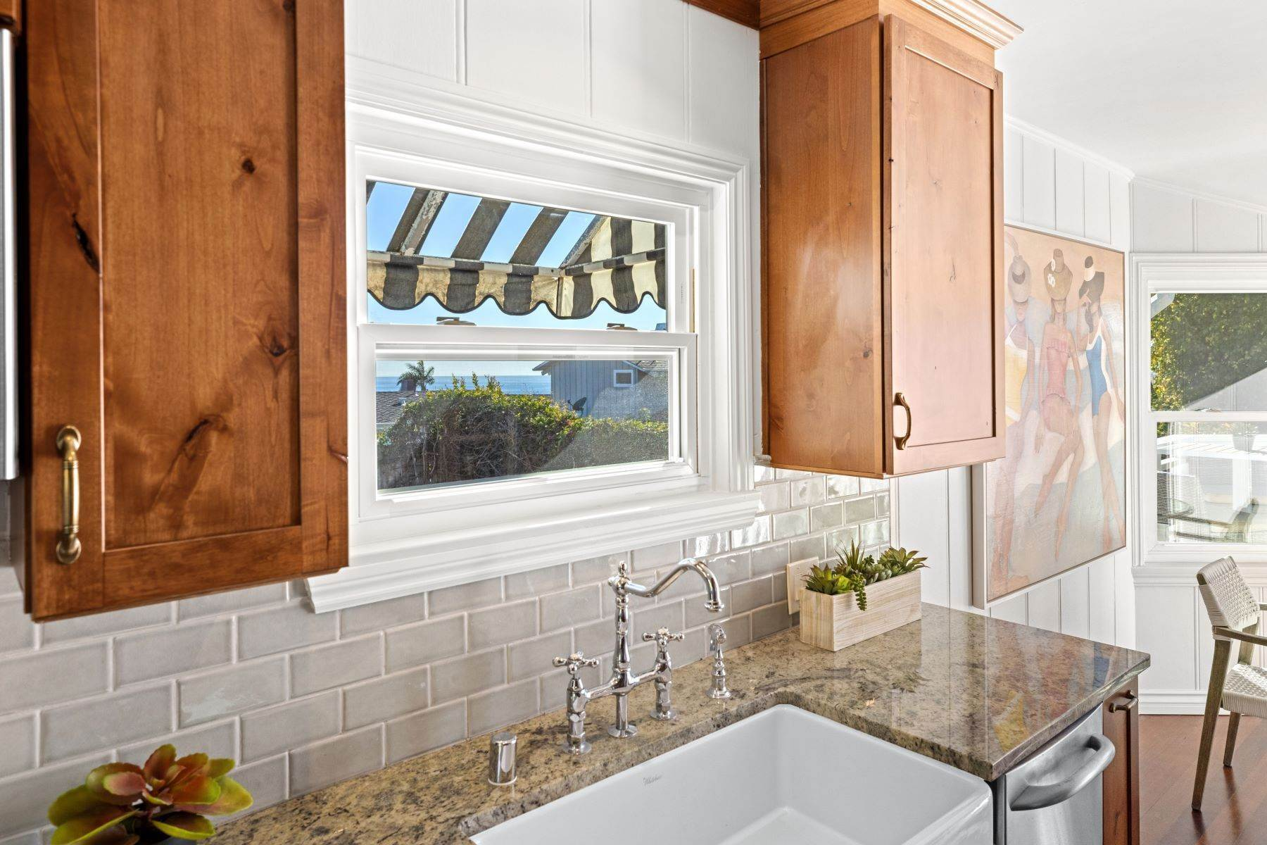 20. Single Family Homes for Sale at 24 South Portola, Laguna Beach, CA 92651 24 South Portola Laguna Beach, California 92651 United States