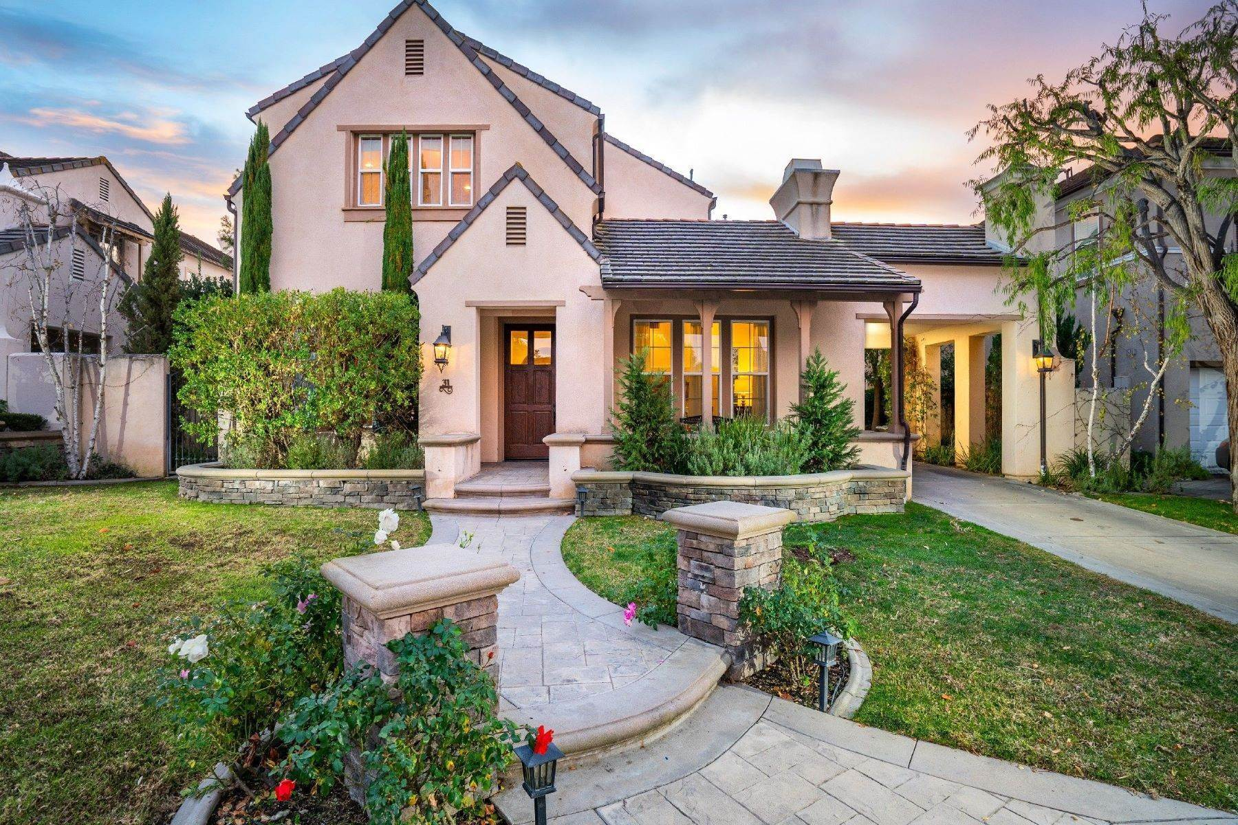 Single Family Homes for Sale at 31 Harcourt Newport Beach, California 92657 United States