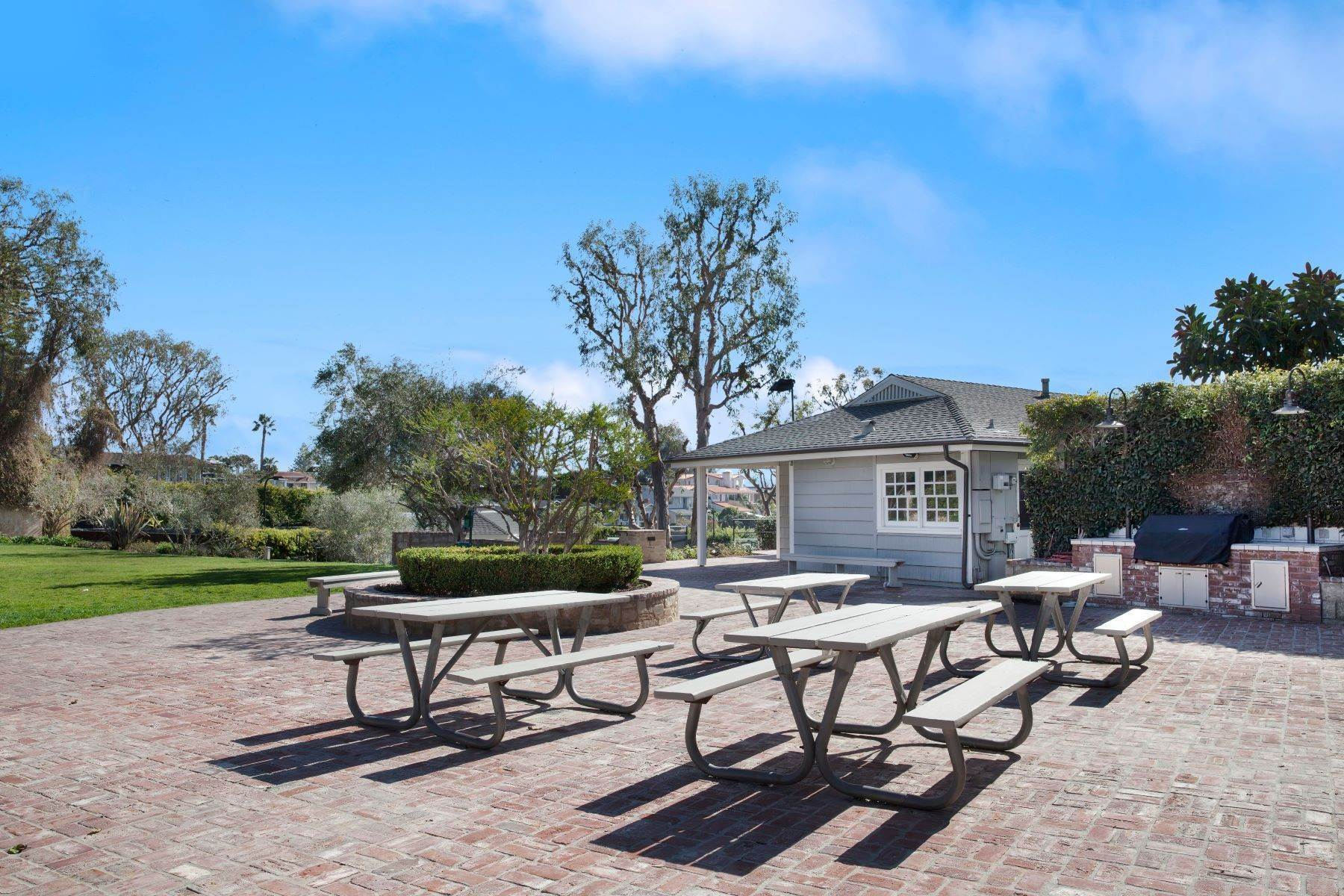 47. Single Family Homes for Sale at 24 South Portola, Laguna Beach, CA 92651 24 South Portola Laguna Beach, California 92651 United States