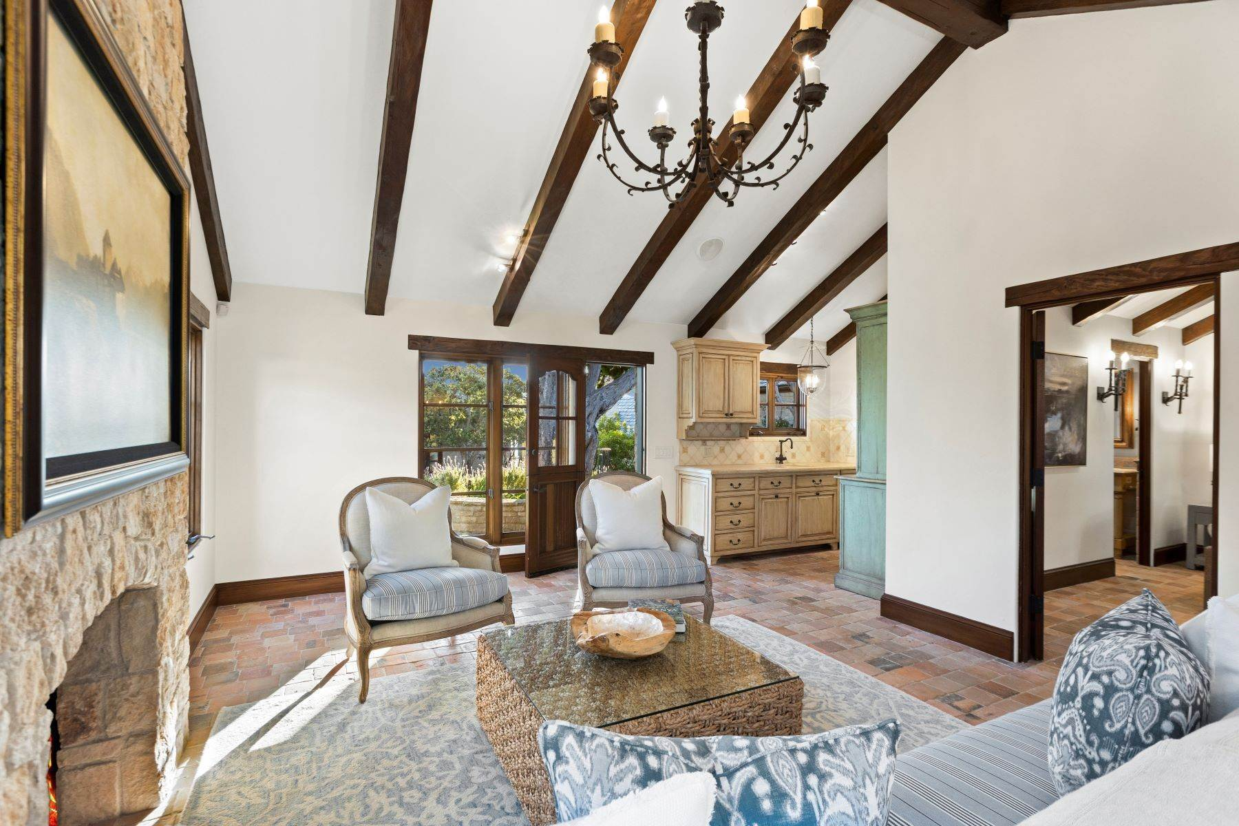 11. Single Family Homes for Sale at 31521 Bluff Drive Laguna Beach, California 92651 United States