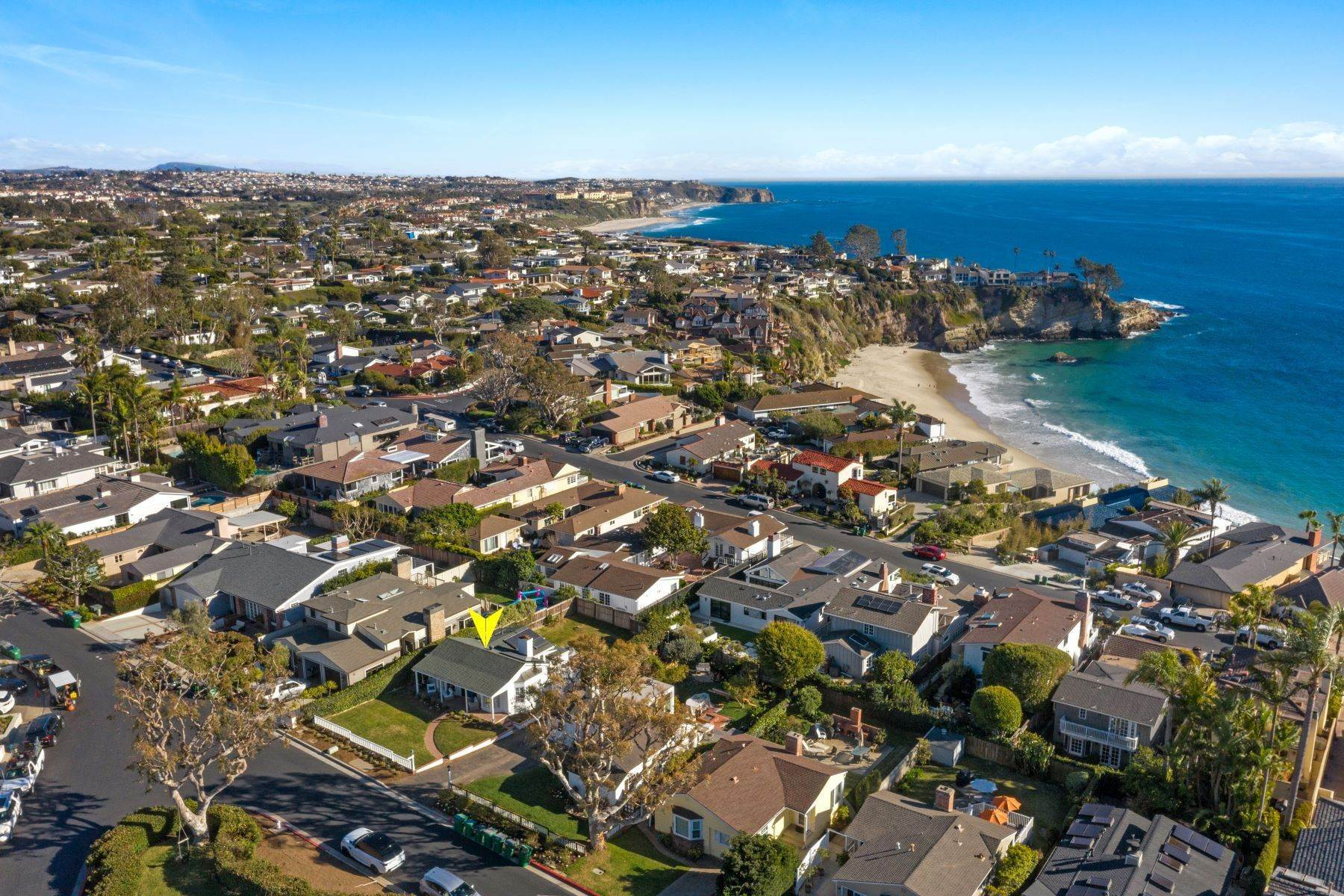 26. Single Family Homes for Sale at 24 South Portola, Laguna Beach, CA 92651 24 South Portola Laguna Beach, California 92651 United States