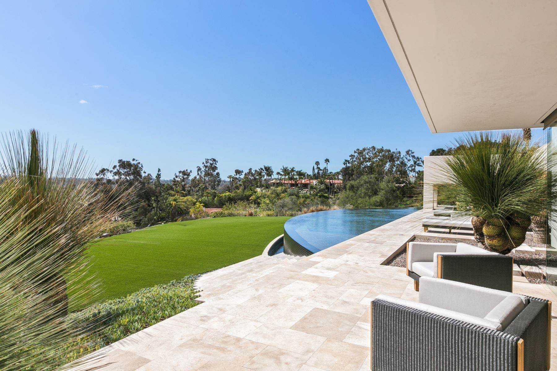 39. Single Family Homes for Sale at Wallace Cunningham's Promontory of Rancho Santa Fe! 16528 Los Barbos Rancho Santa Fe, California 92067 United States