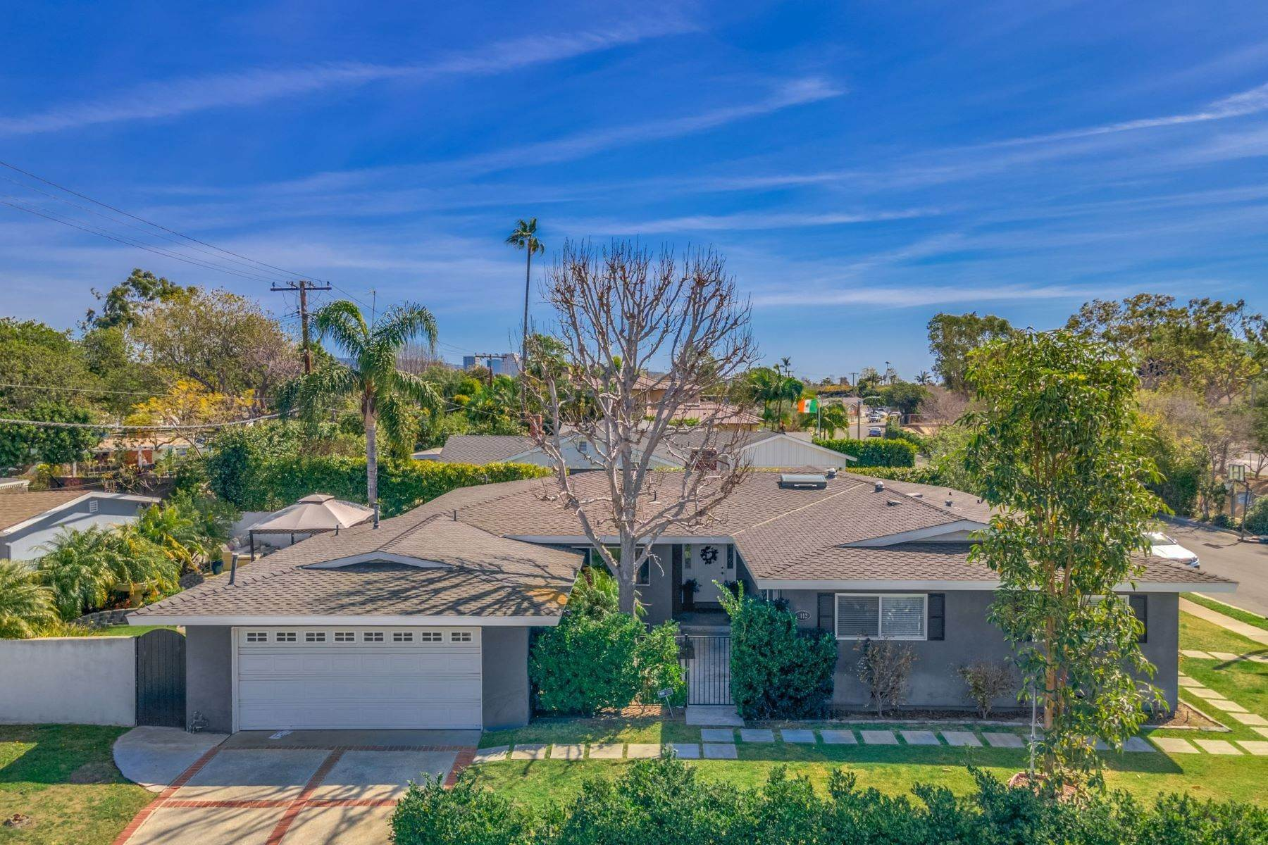 Single Family Homes for Sale at 2112 Dover Drive, Newport Beach, CA 92660 2112 Dover Drive Newport Beach, California 92660 United States