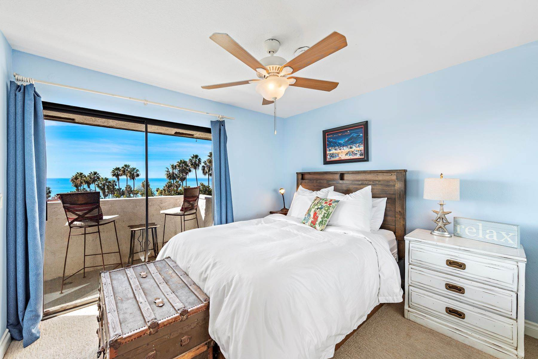 20. Condominiums for Sale at 321 Acebo Lane Unit #C, San Clemente, CA 92672 321 Acebo Lane, Unit #C San Clemente, California 92672 United States