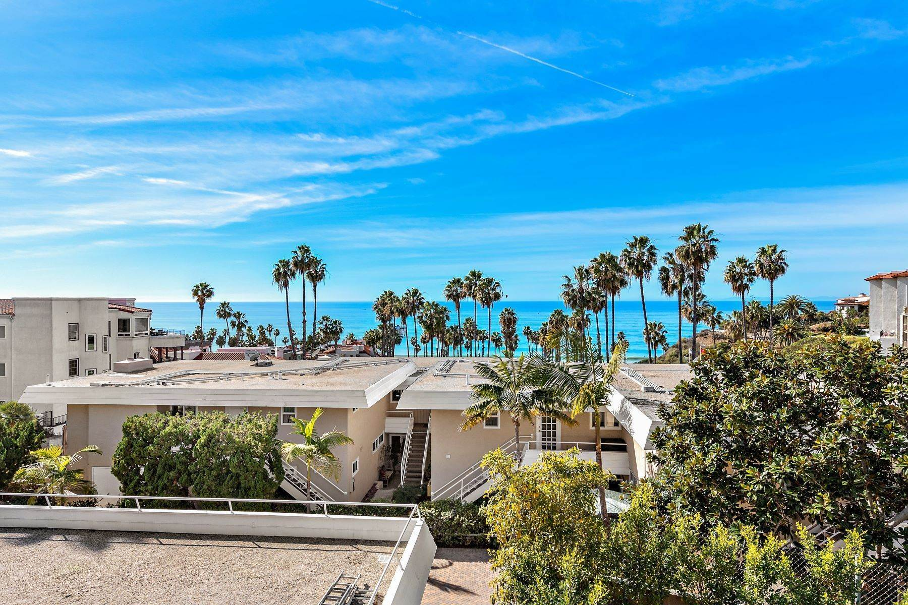 4. Condominiums for Sale at 321 Acebo Lane Unit #C, San Clemente, CA 92672 321 Acebo Lane, Unit #C San Clemente, California 92672 United States