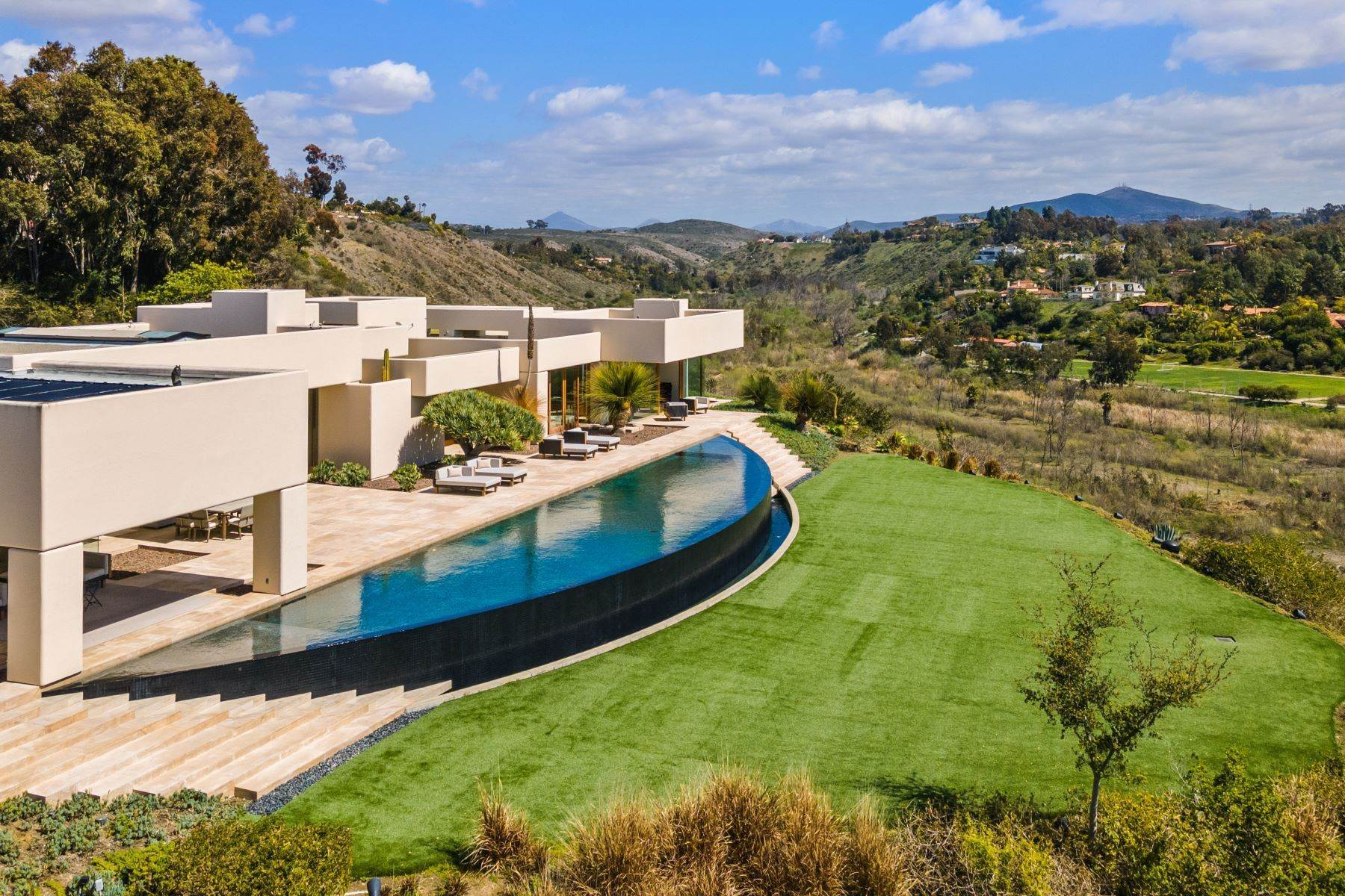 48. Single Family Homes for Sale at Wallace Cunningham's Promontory of Rancho Santa Fe! 16528 Los Barbos Rancho Santa Fe, California 92067 United States