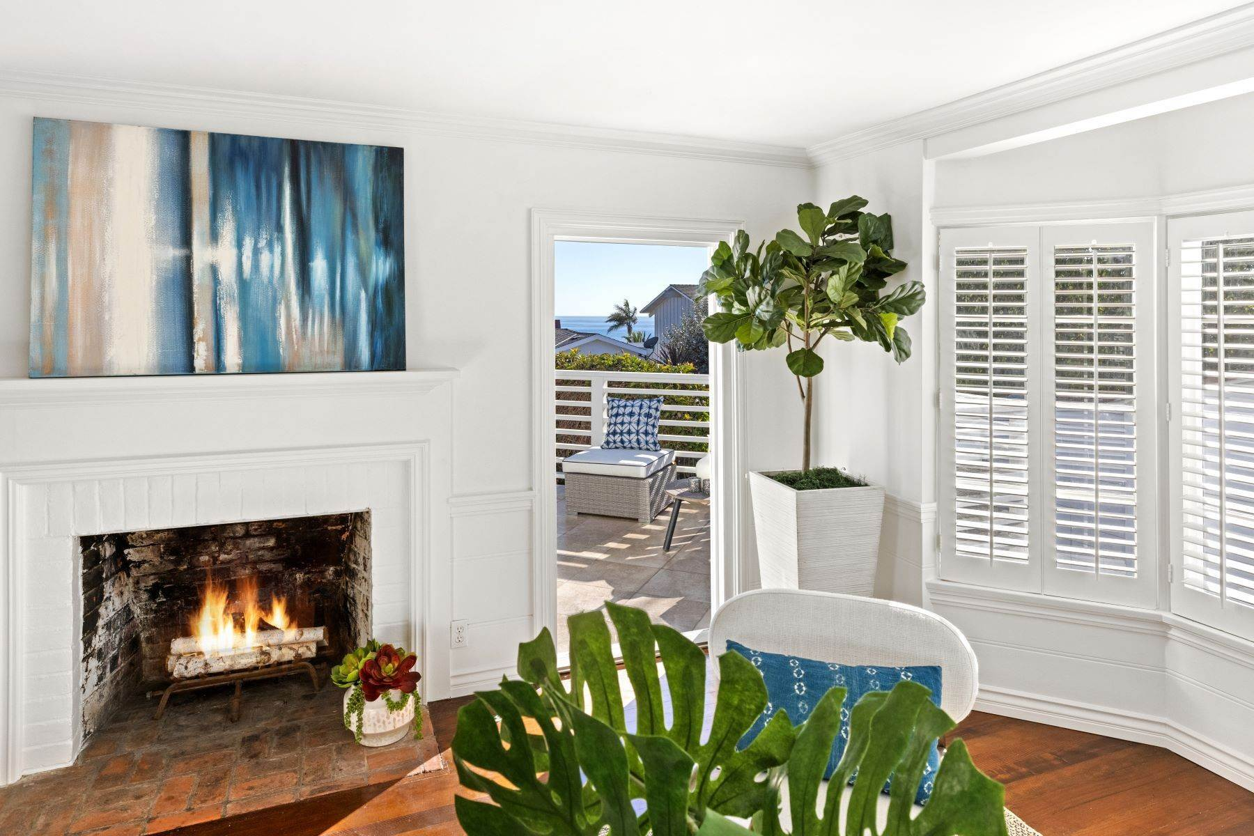10. Single Family Homes for Sale at 24 South Portola, Laguna Beach, CA 92651 24 South Portola Laguna Beach, California 92651 United States