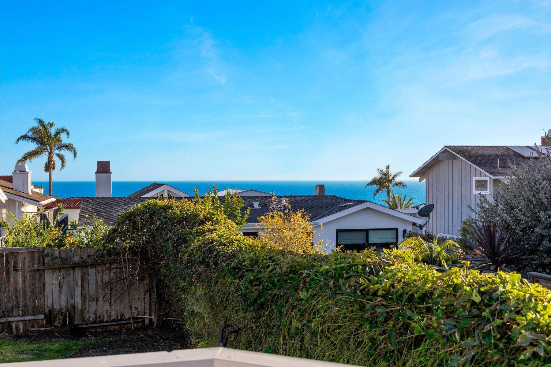 7. Single Family Homes for Sale at 24 South Portola, Laguna Beach, CA 92651 24 South Portola Laguna Beach, California 92651 United States