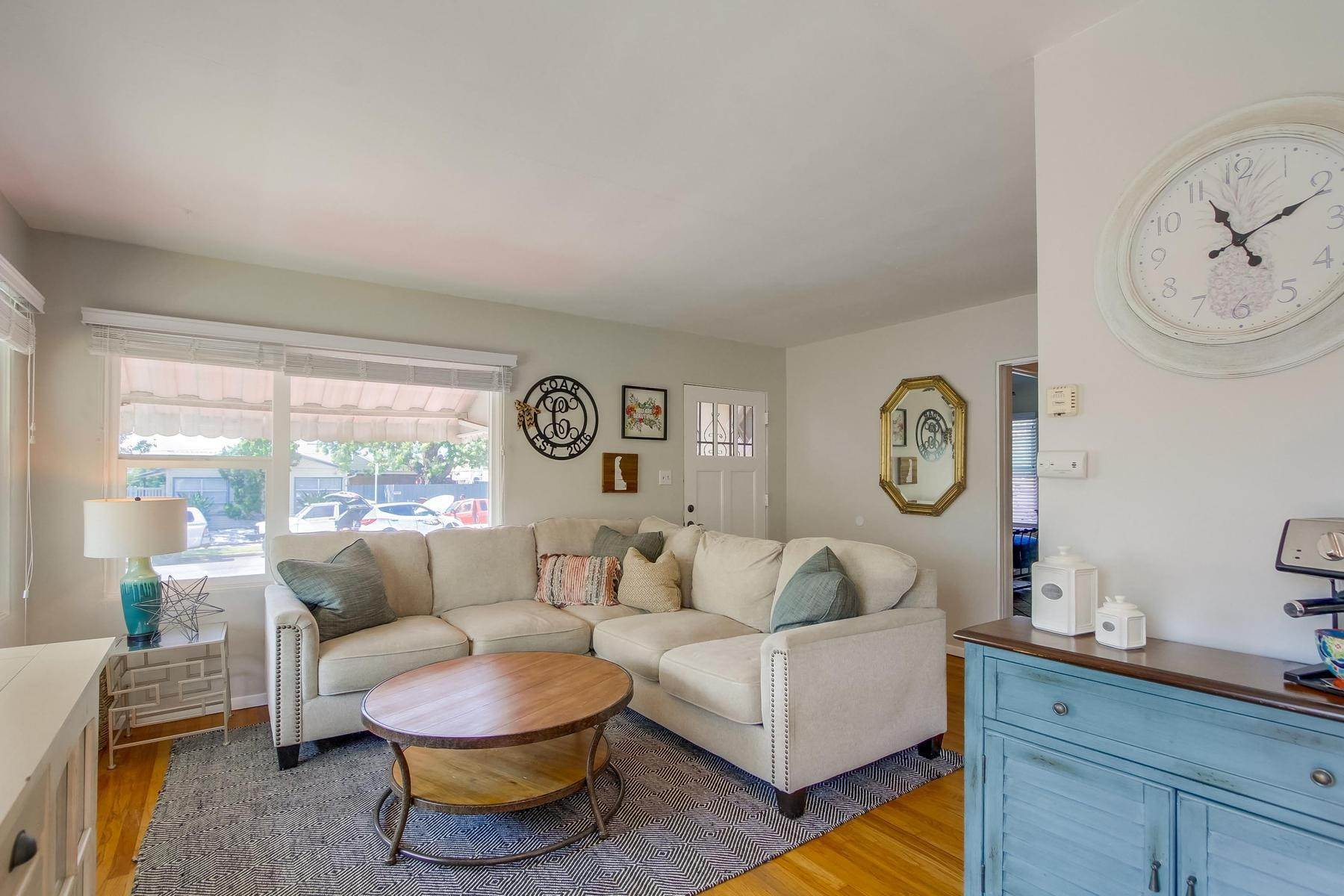 Single Family Homes for Sale at 4917 Bayard Street, North Pacific Beach, Ca, 92109 4917 Bayard Street San Diego, California 92109 United States