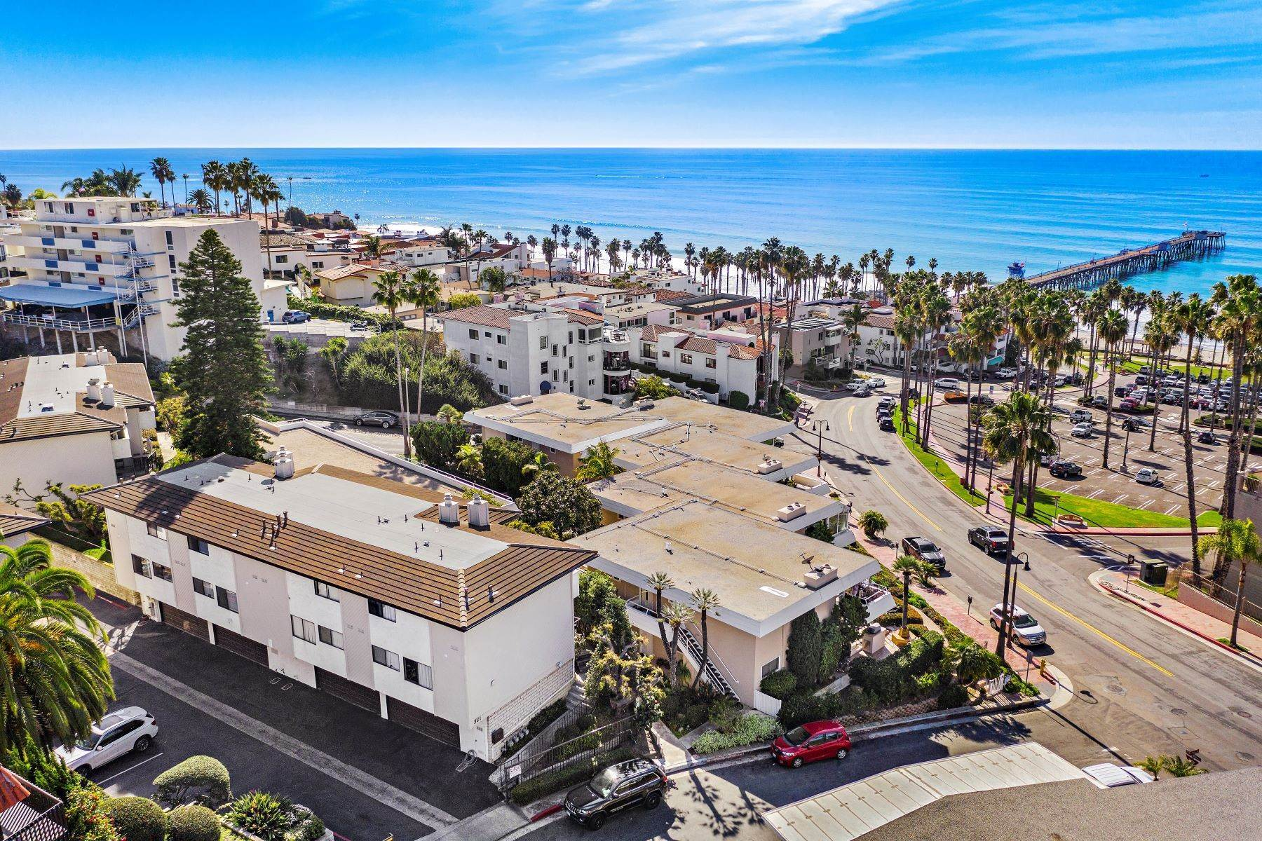 5. Condominiums for Sale at 321 Acebo Lane Unit #C, San Clemente, CA 92672 321 Acebo Lane, Unit #C San Clemente, California 92672 United States