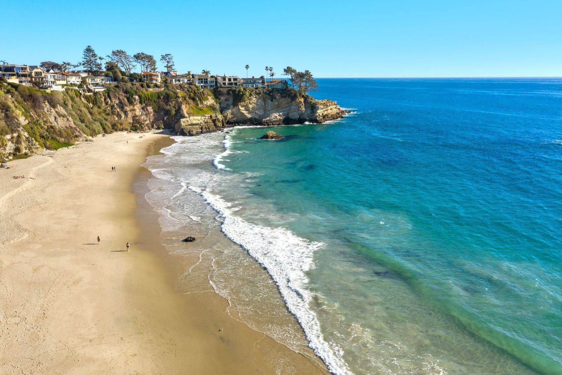 27. Single Family Homes for Sale at 24 South Portola, Laguna Beach, CA 92651 24 South Portola Laguna Beach, California 92651 United States