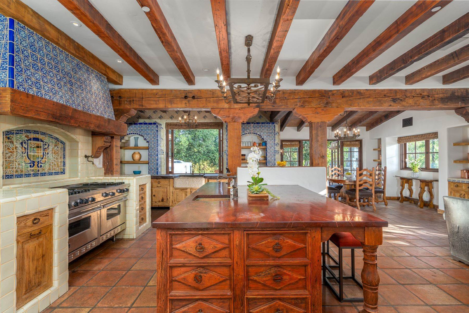 18. Single Family Homes for Sale at 17515 Avenida De Acacias, Rancho Santa Fe, CA 92067 17515 Avenida De Acacias Rancho Santa Fe, California 92067 United States