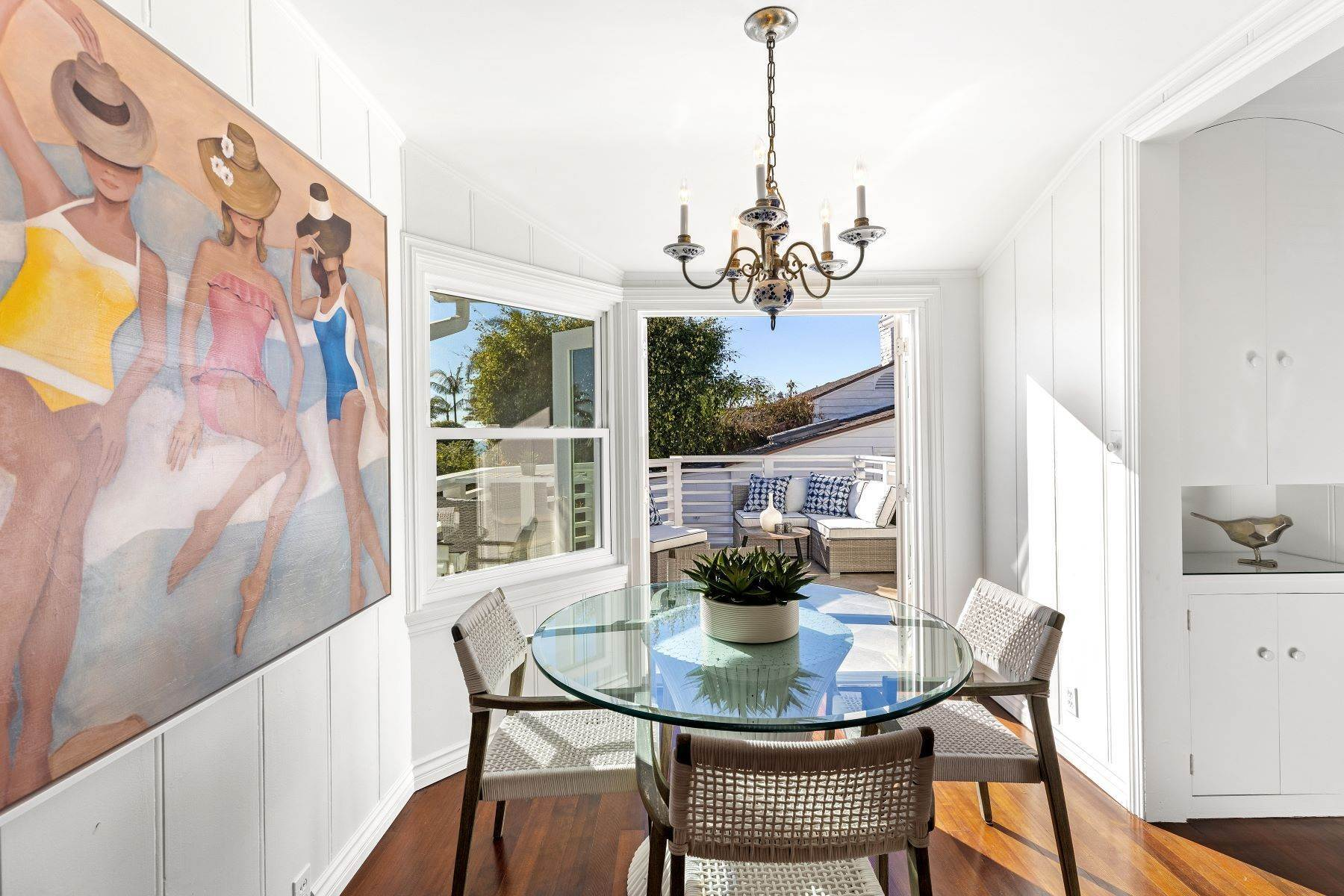 15. Single Family Homes for Sale at 24 South Portola, Laguna Beach, CA 92651 24 South Portola Laguna Beach, California 92651 United States