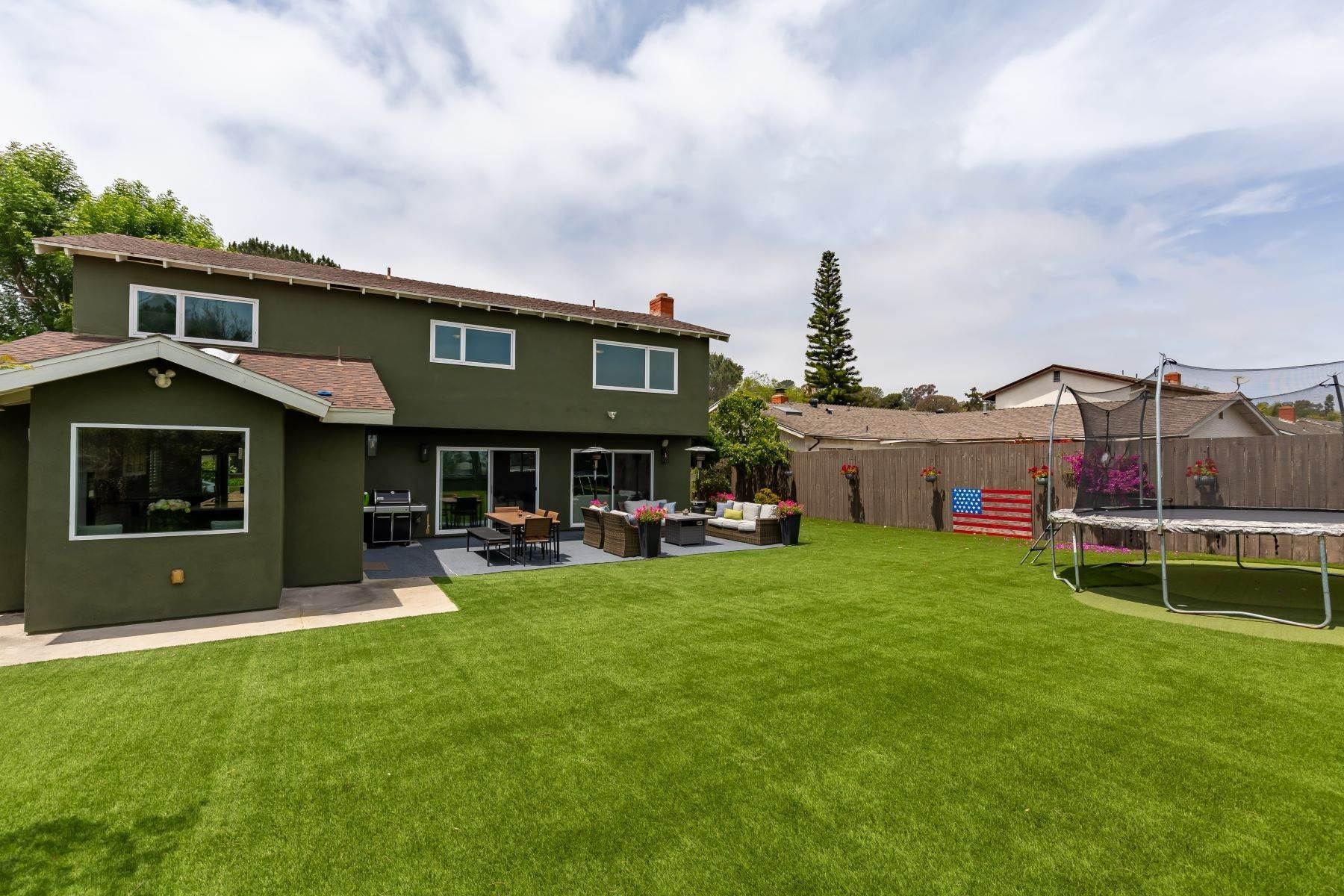 29. Single Family Homes for Sale at 13475 Portofino Drive, Del Mar, CA 92014 13475 Portofino Drive Del Mar, California 92014 United States