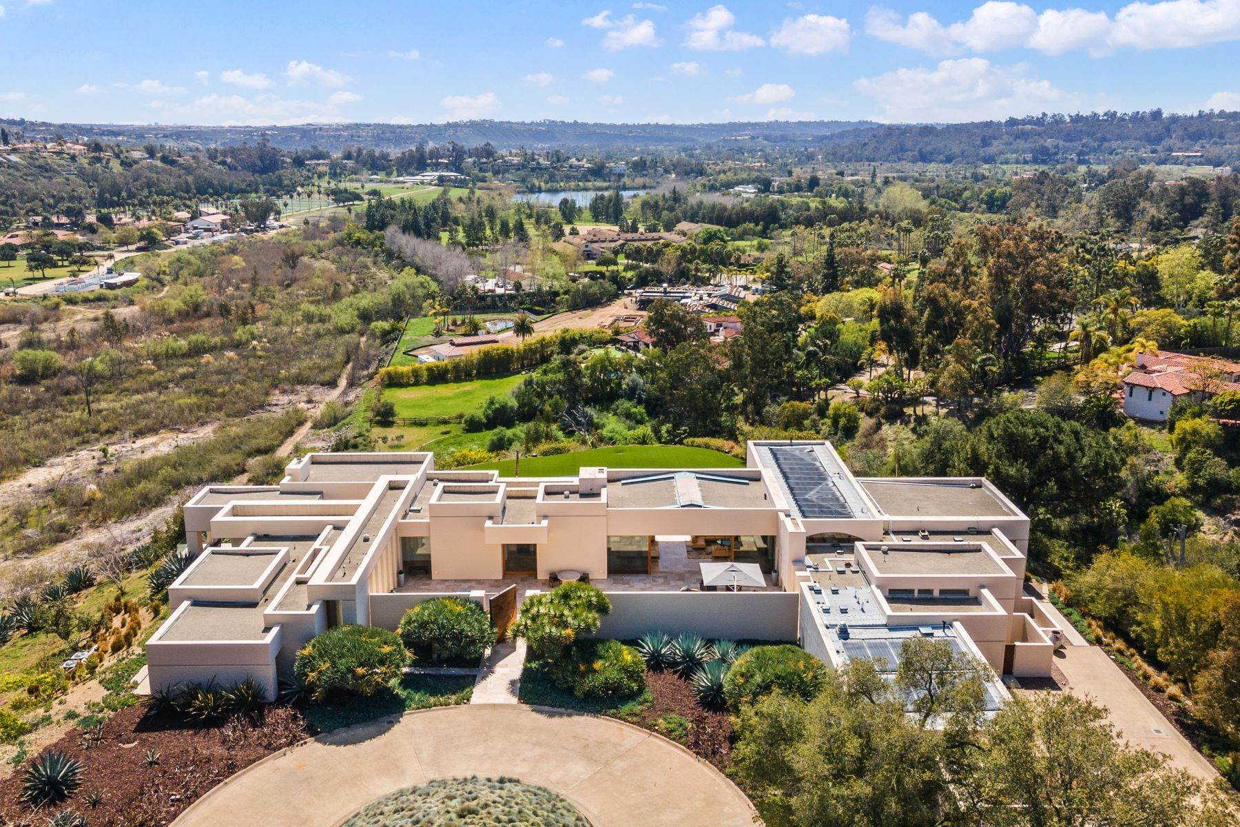 46. Single Family Homes for Sale at Wallace Cunningham's Promontory of Rancho Santa Fe! 16528 Los Barbos Rancho Santa Fe, California 92067 United States