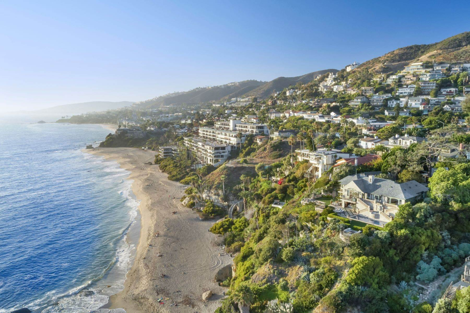 4. Single Family Homes for Sale at 31521 Bluff Drive Laguna Beach, California 92651 United States