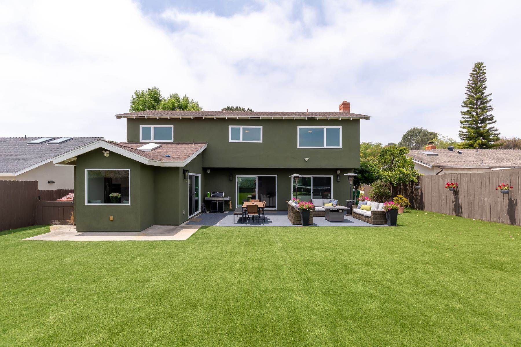 30. Single Family Homes for Sale at 13475 Portofino Drive, Del Mar, CA 92014 13475 Portofino Drive Del Mar, California 92014 United States