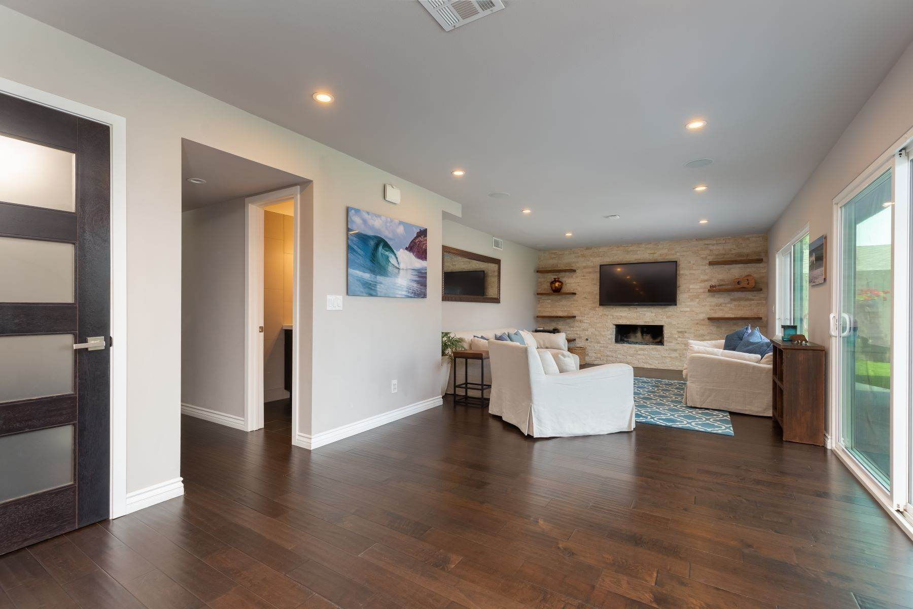 13. Single Family Homes for Sale at 13475 Portofino Drive, Del Mar, CA 92014 13475 Portofino Drive Del Mar, California 92014 United States